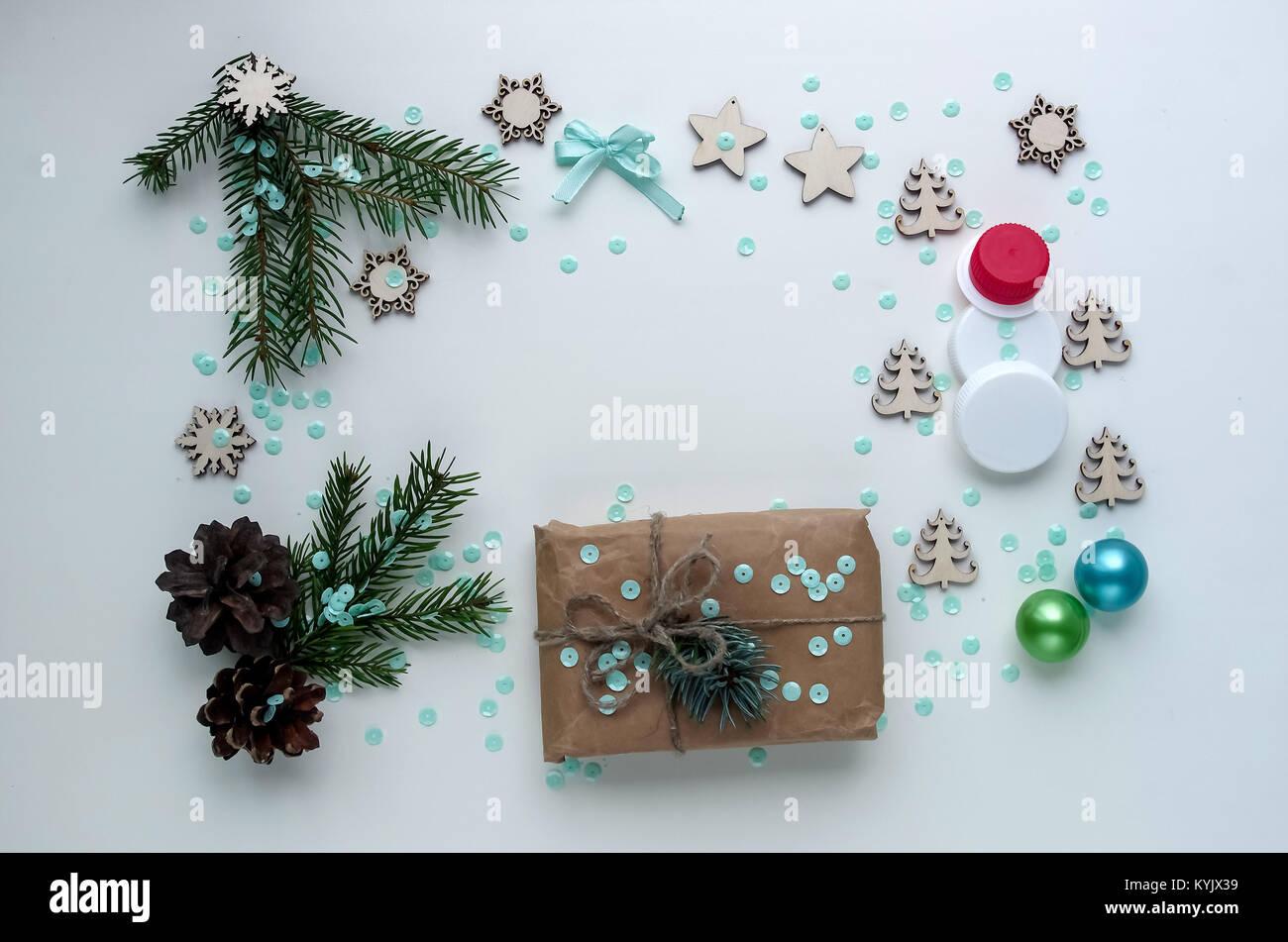 Weihnachtsgeschenke D.Weihnachtsgeschenke Und Geschenke Für Den Urlaub Fichte äste Und D