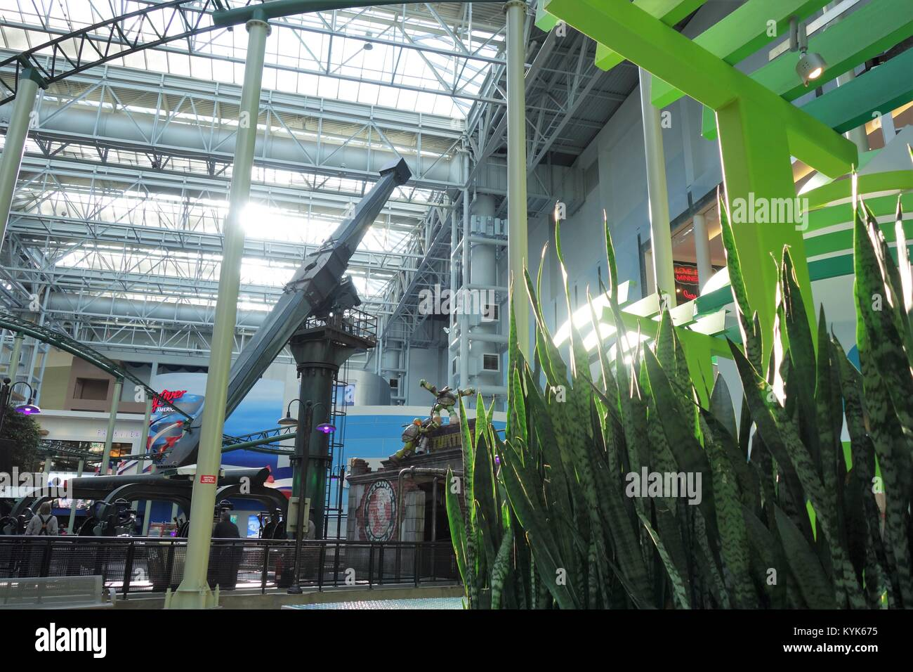Live grüne Pflanzen in Nickelodeon Universe an der Mall of America in Minneapolis, Minnesota, USA wachsenden Stockbild