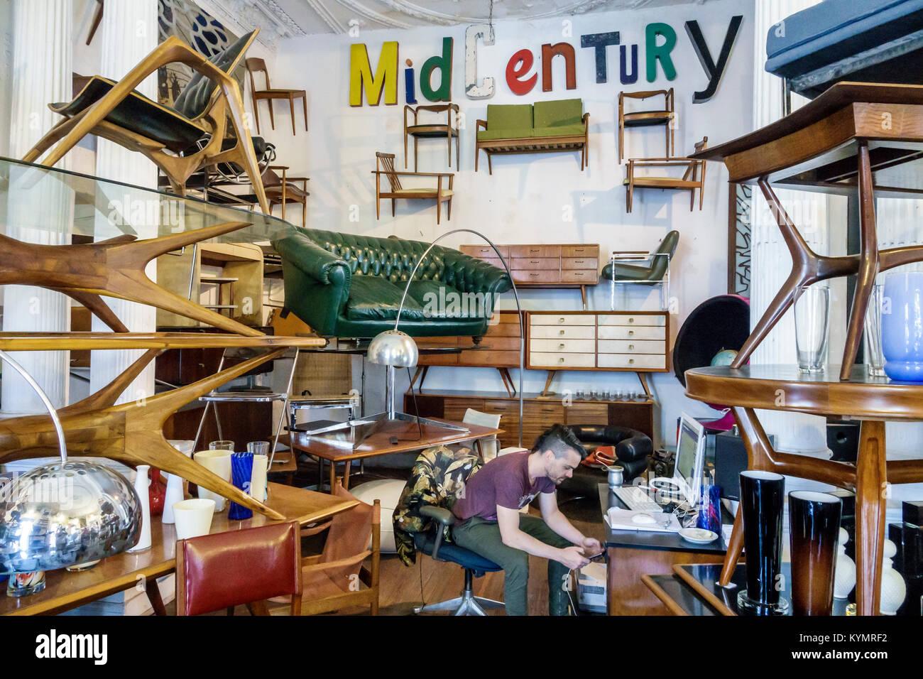 Buenos Aires Argentinien San Telmo Shopping Pasaje De La Defensa Shopping  Galerie Antiquitäten Möbel Moderne Mitte Des Letzten Jahrhunderts Home  Decor ...