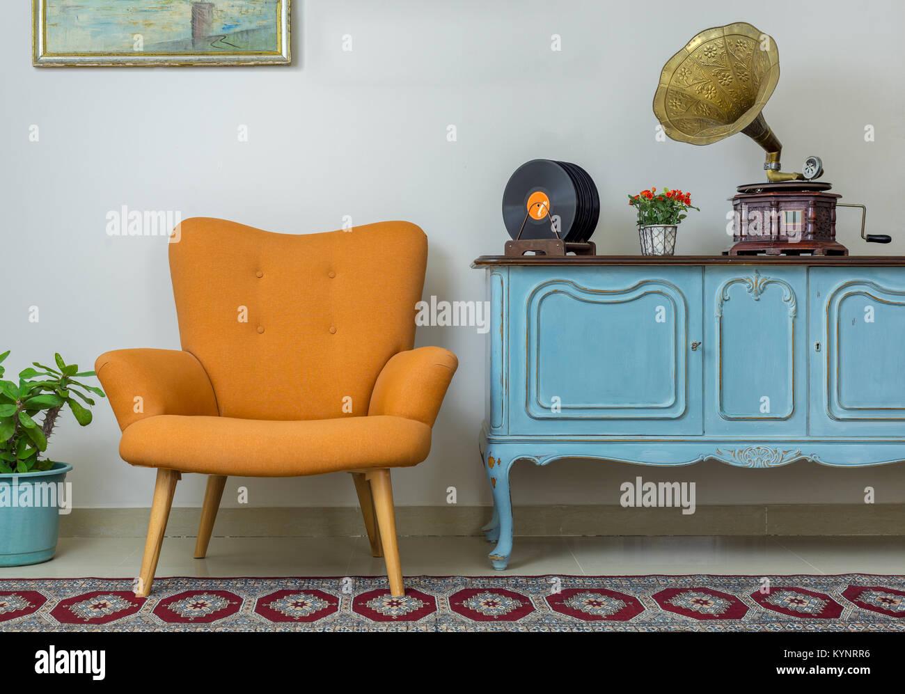 Vintage Innenraum Des Retro Orange Sessel Vintage Holz Hellblau