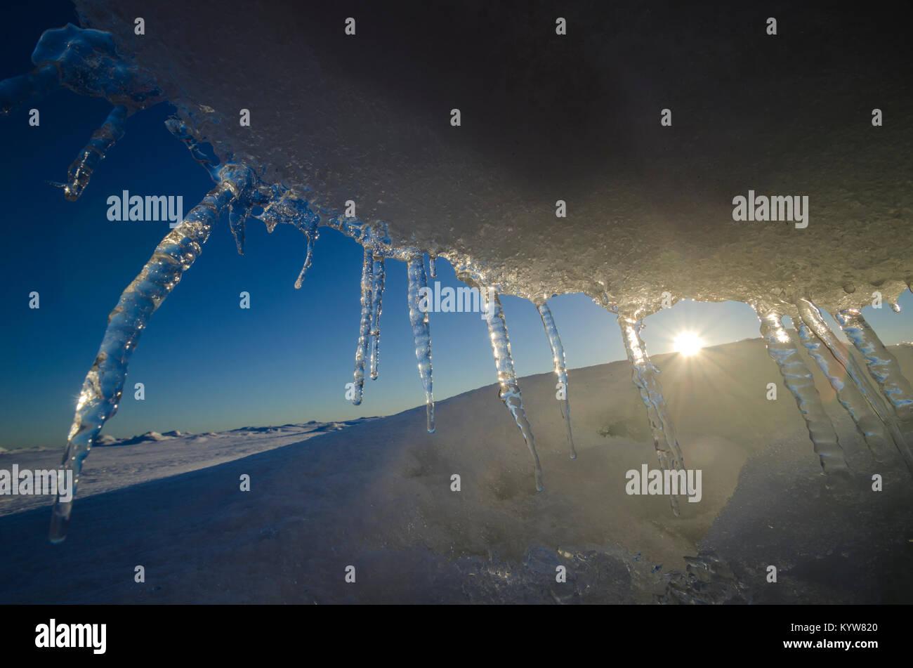 Die eisscholle am Ufer des Weißen Meeres Stockbild