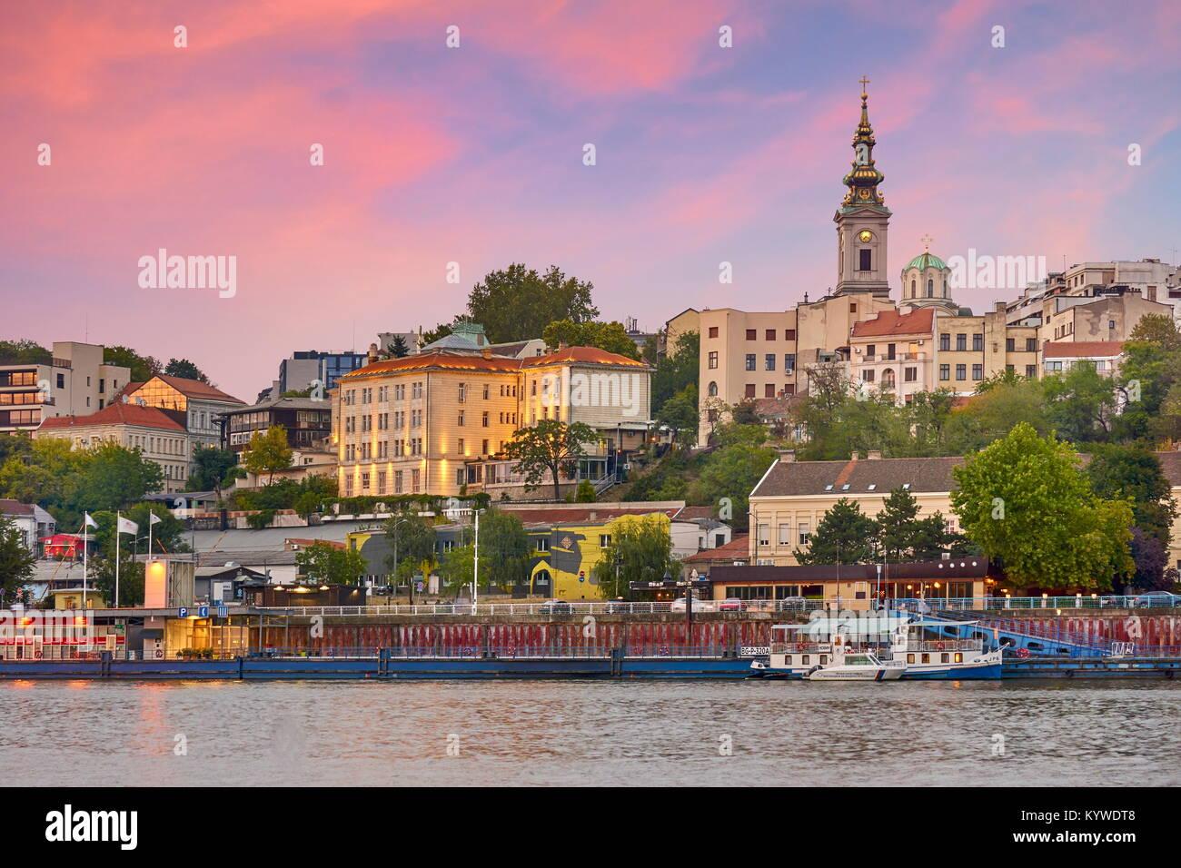 Abendlicher Blick in Belgrad, die Hauptstadt Serbiens Stockbild
