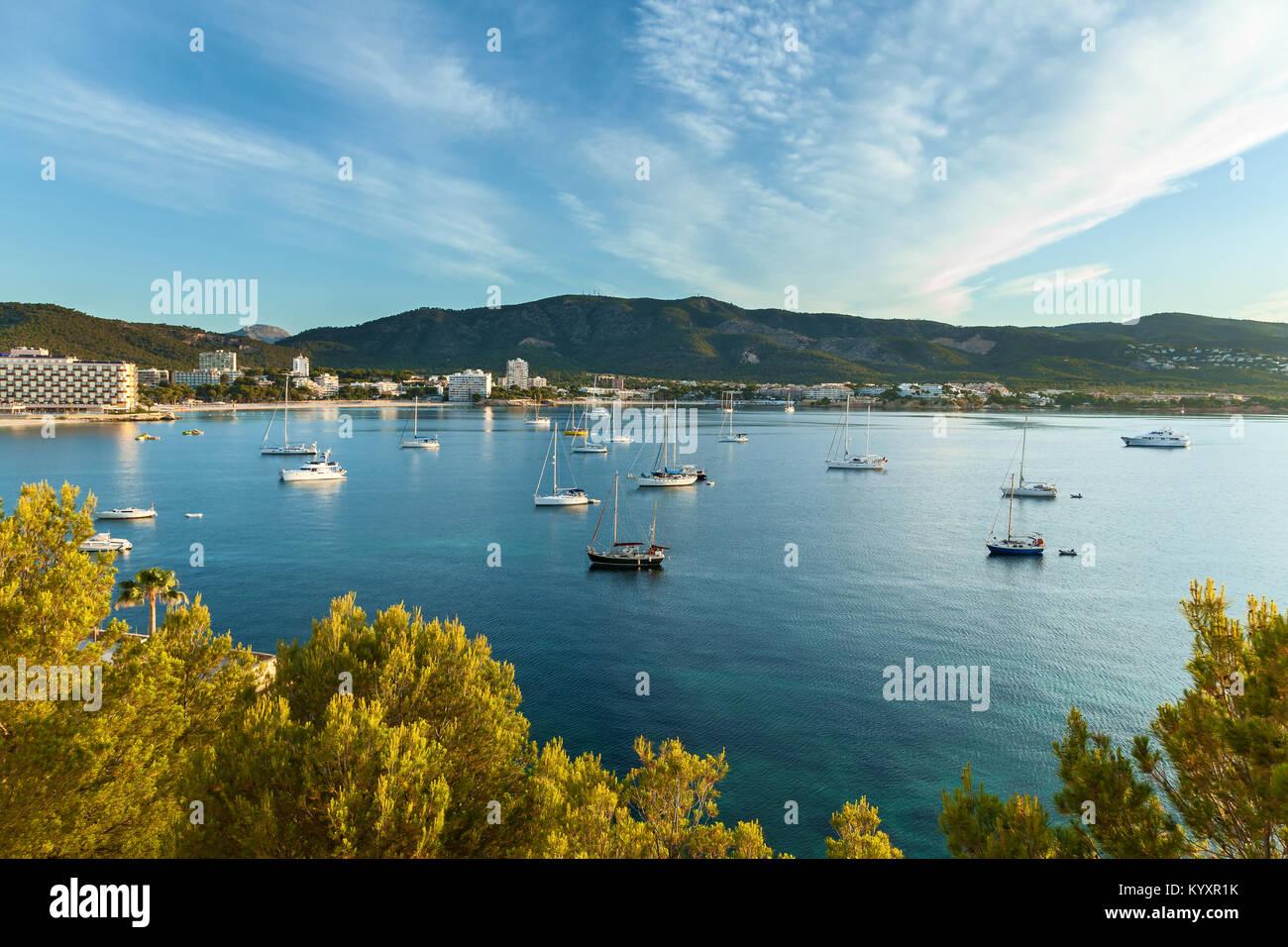 Bucht mit Yachten in Palma Spanien Stockbild