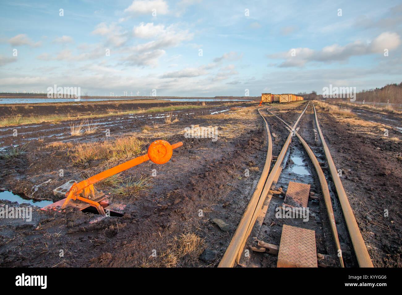 Landschaft geschossen von einem Schalter und Hebel von einem Moor Track mit Lore im Hintergrund Stockbild