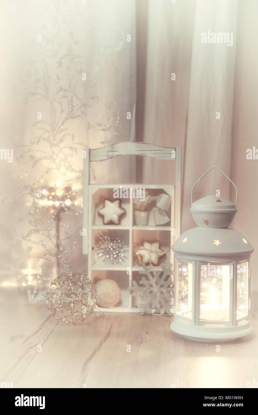 Dekorative Laternen Kerzen Und Weihnachtsschmuck Flachen Dof
