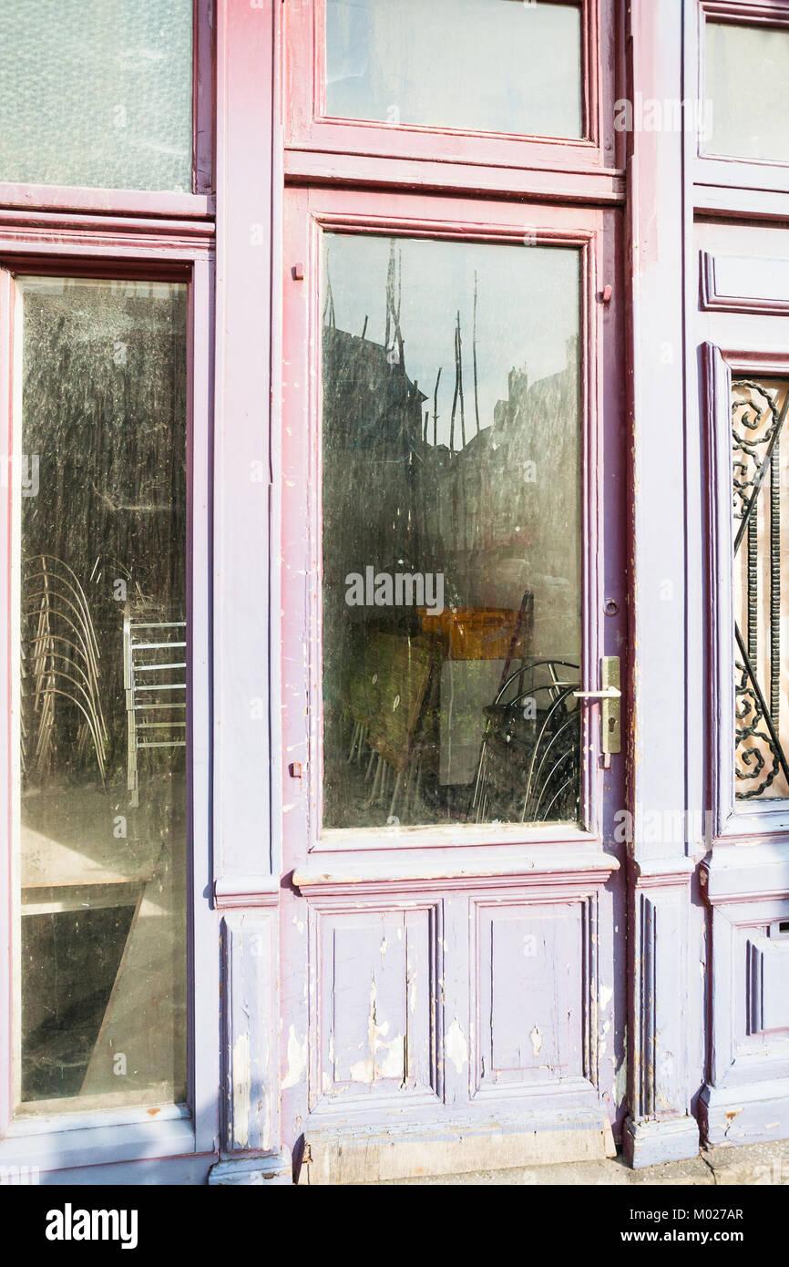Reisen Nach Frankreich Geschlossen Schabige Tur Mit Glaseinsatz In