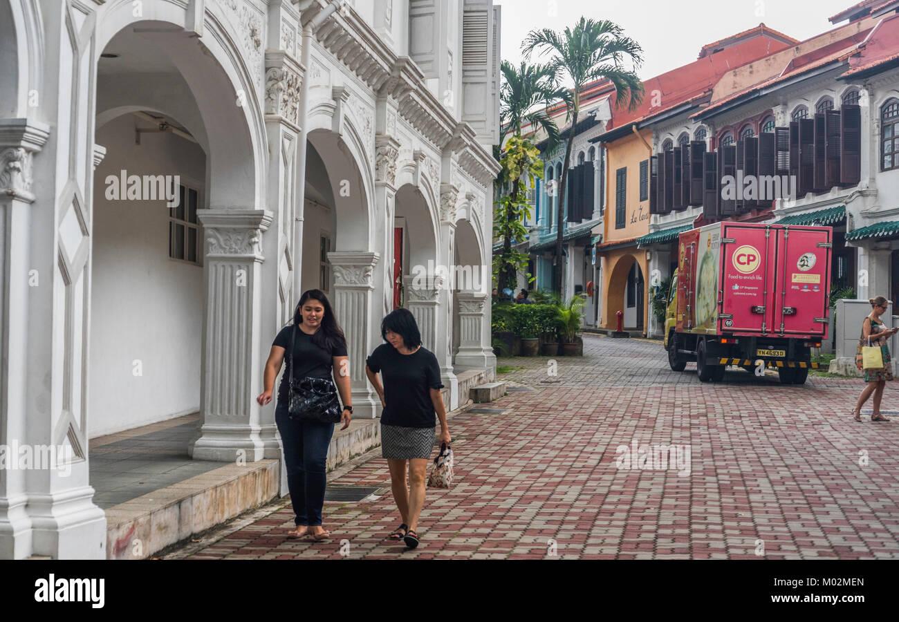 Die Menschen in den Straßen von Singapur Stockbild