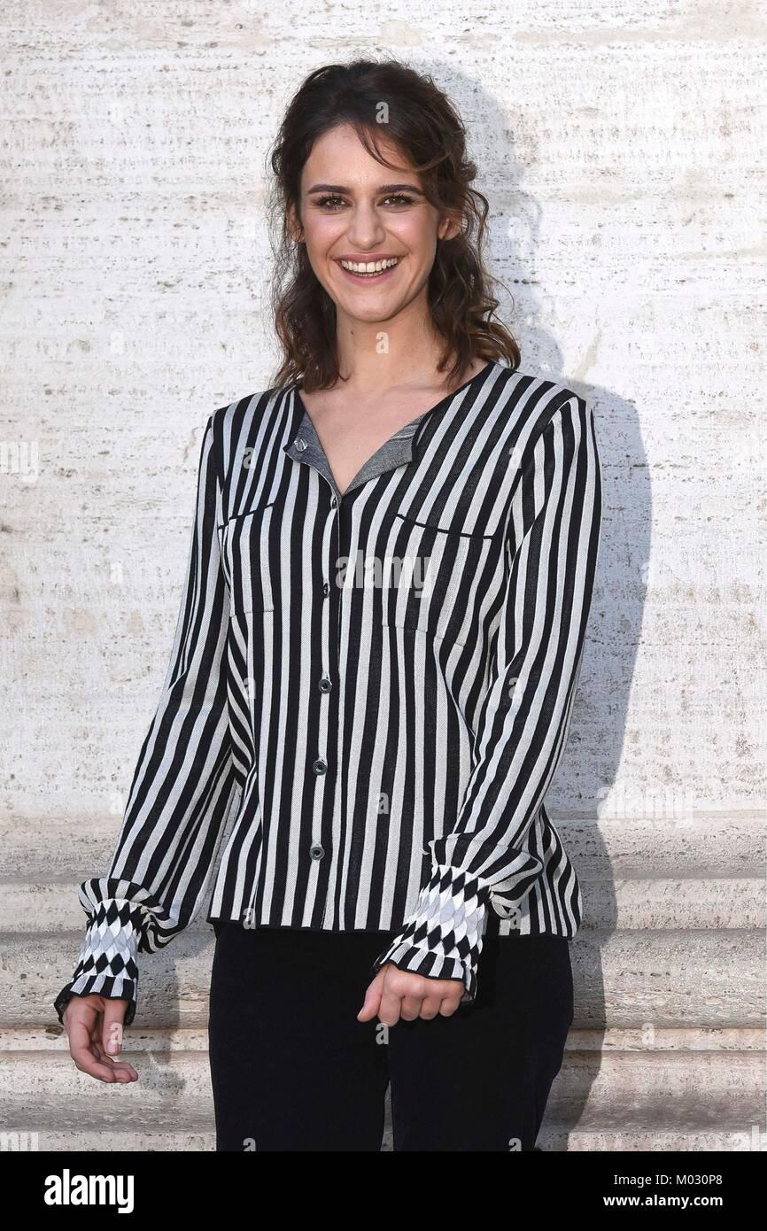 "Fotoauftrag der italienischen Komödie 'Amori che non sanno Stare al Mondo"" Bild: Valentina Bellè, Stockbild"