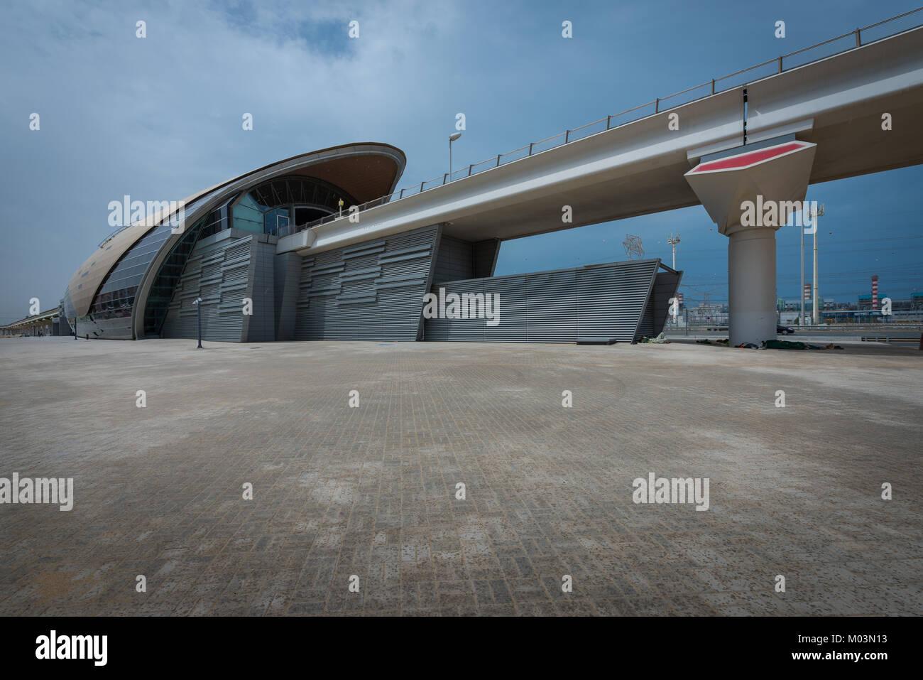 Modernes Äußeres von Ibn Battuta Station auf der Dubai Metro - ein ...