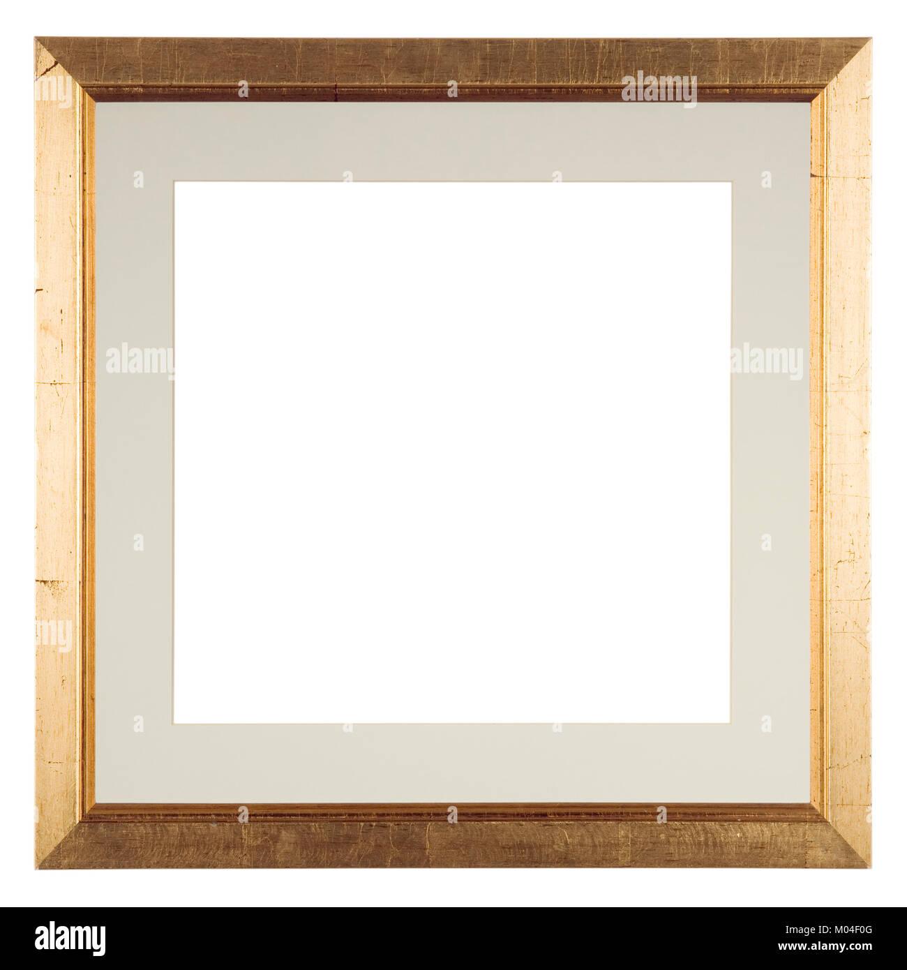 Leeren Bilderrahmen auf Weiß in einem stark beunruhigten vergoldeten ...