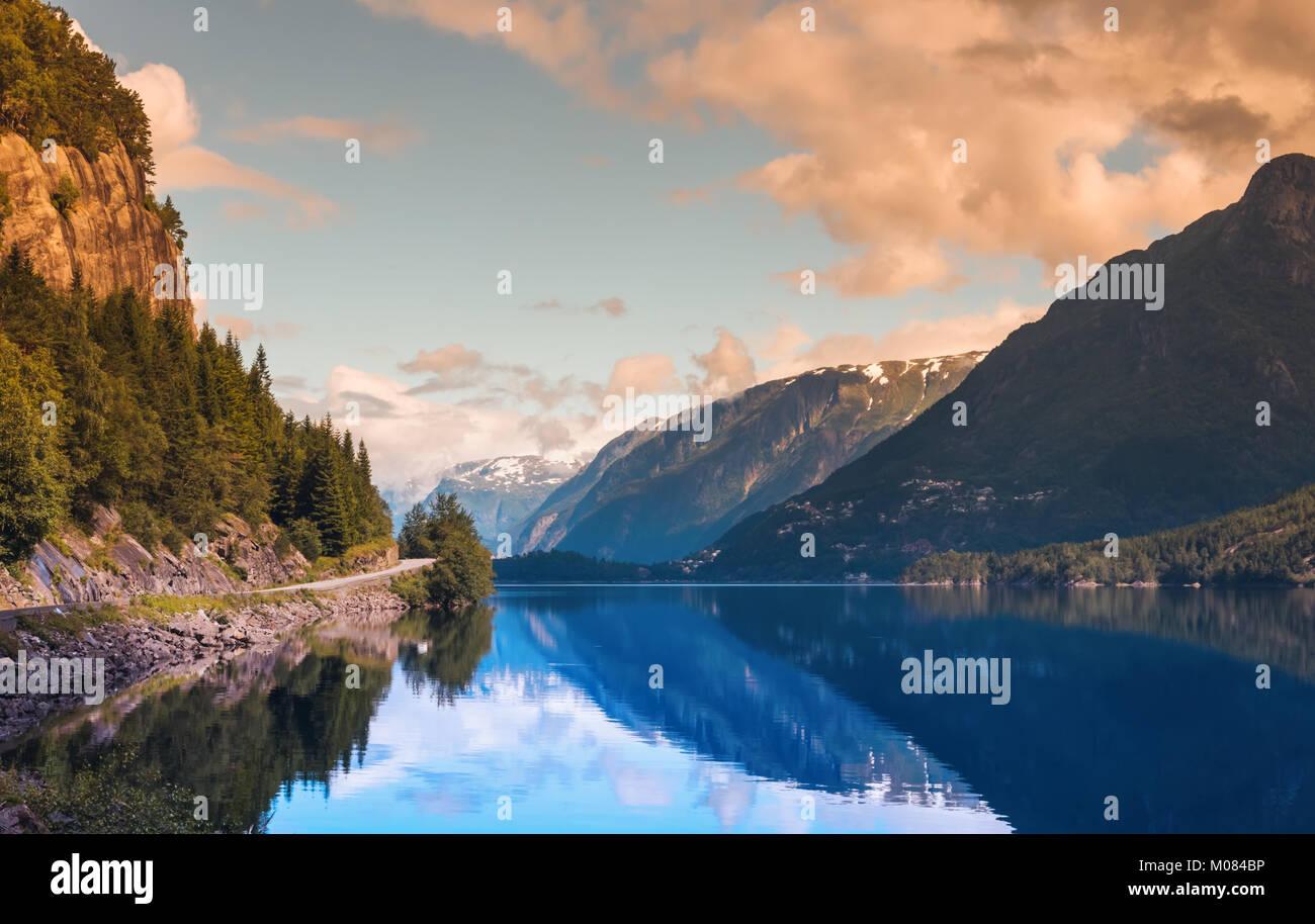 Hardanger Fjord Norwegen Landschaft. Stockbild