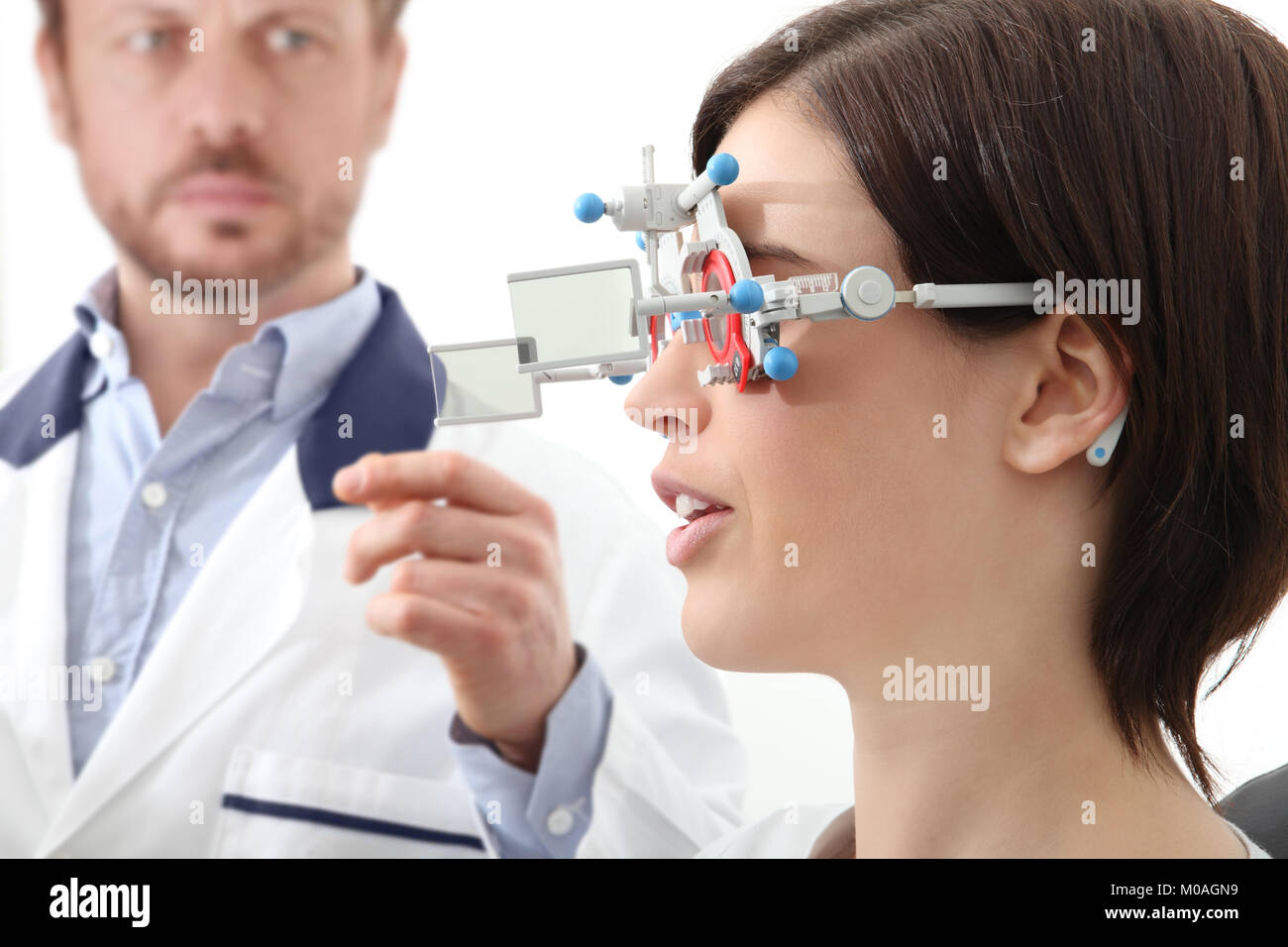 Optometric Instrument Stockfotos & Optometric Instrument Bilder - Alamy