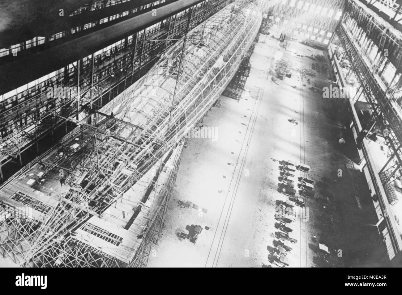 Skelett der U.S. Navy Zukuenftiges ZR-1 in der Factory Stockbild