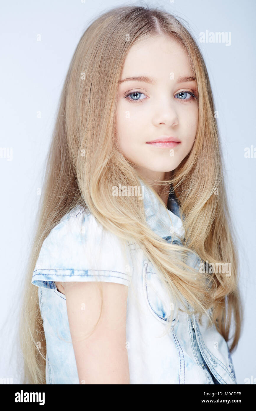 Augen mädchen blaue blond Farbtyp (147