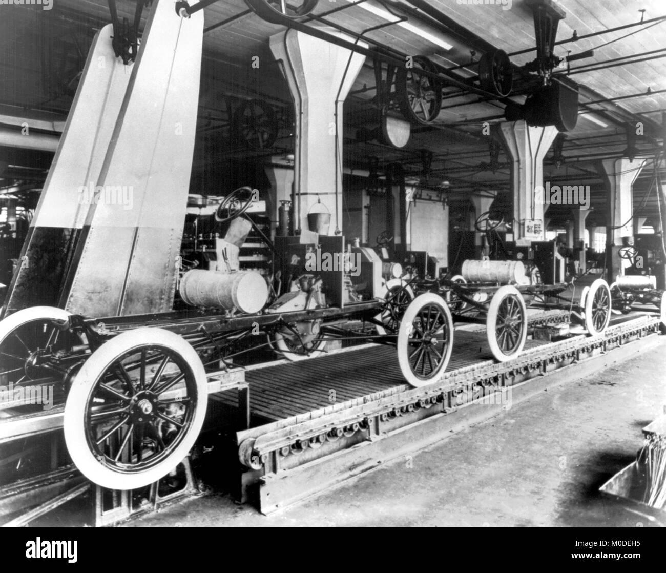 Das Modell T Ford Produktionslinie bei Highland Park Anlage der Ford Motor Company im Jahr 1913. Stockbild