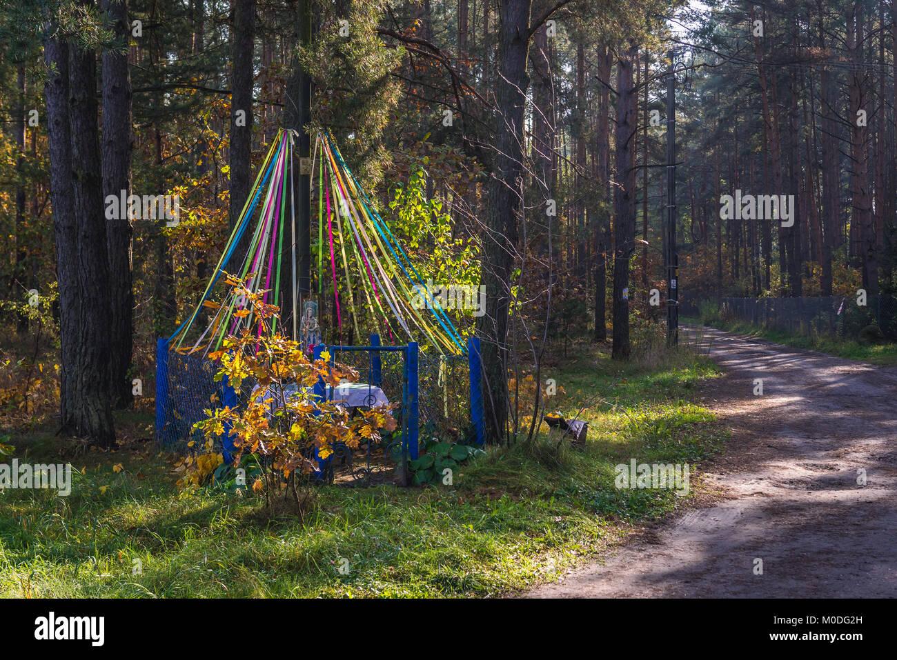 Bildstock in kampinoski Wald, große Wälder komplex in der Woiwodschaft Masowien in Polen Stockbild
