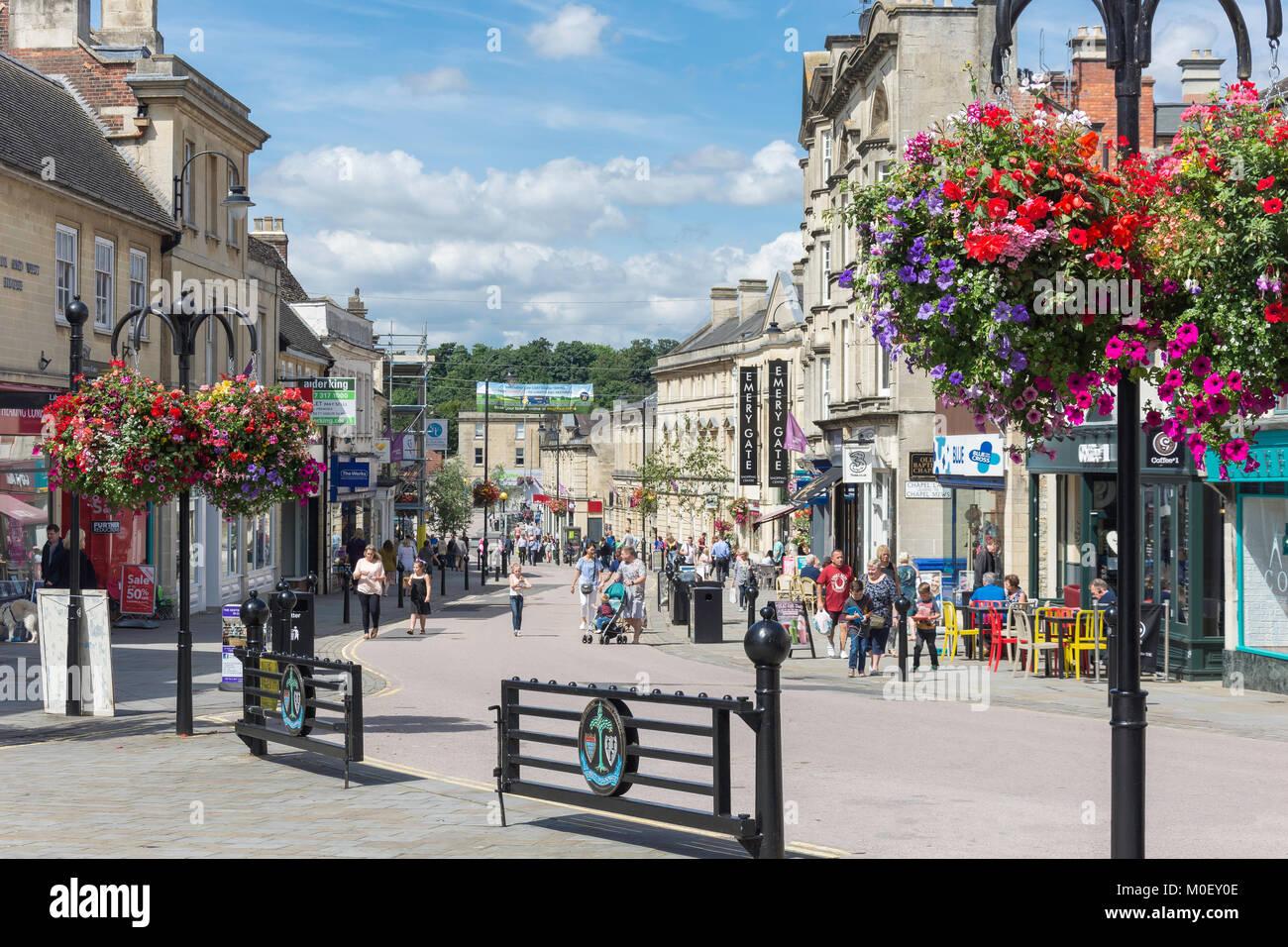 Fußgängerzone Hohe Straße, Chippenham, Wiltshire, England, Vereinigtes Königreich Stockbild