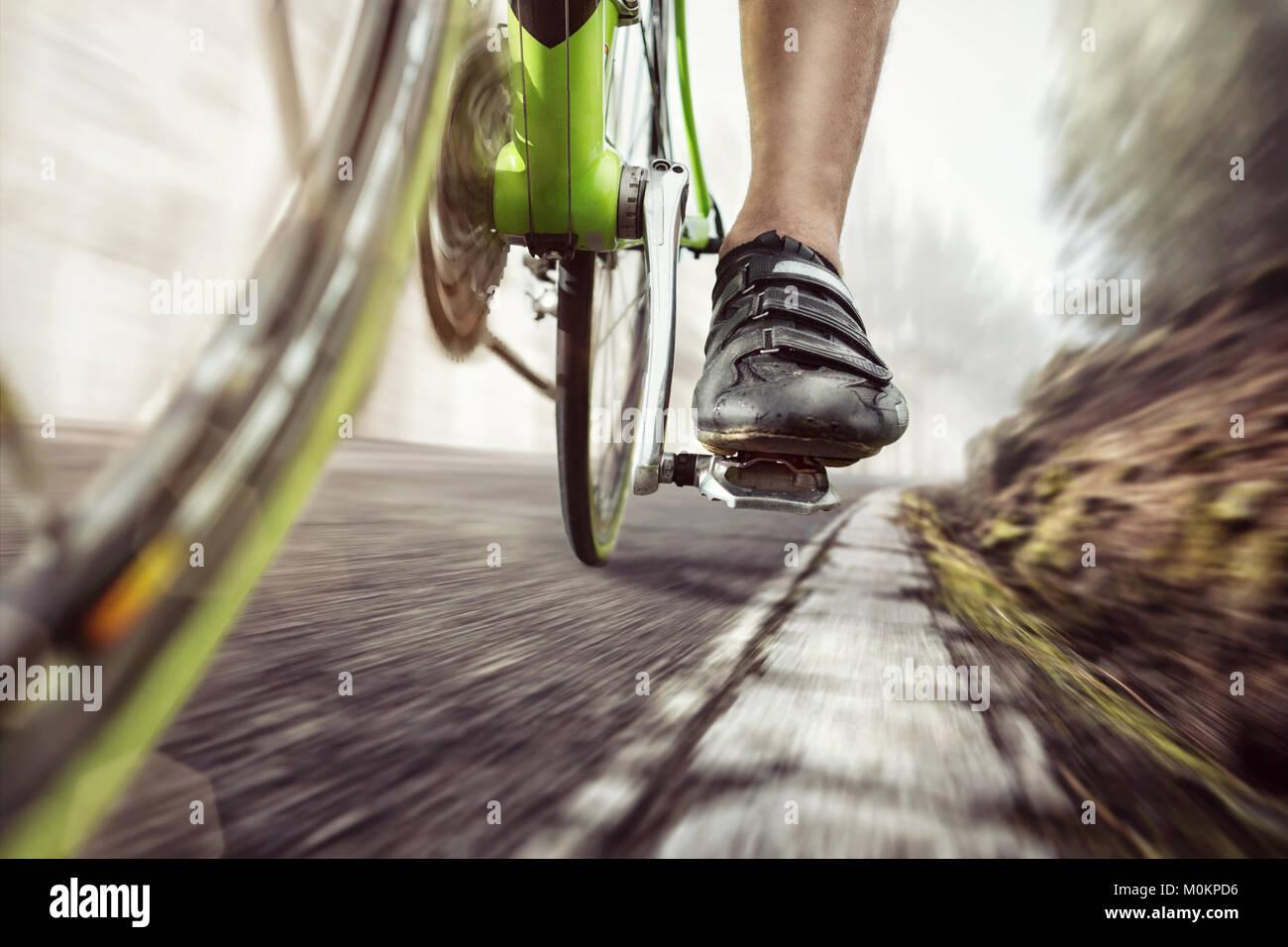 Pedal eines sich schnell bewegenden Rennrad Stockbild