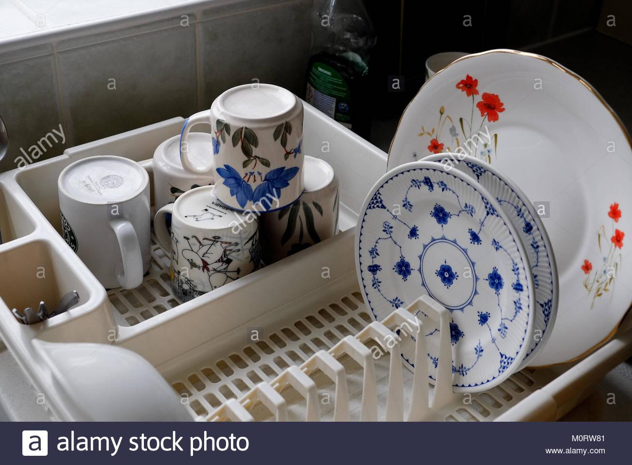 Plates Chores Washing Stockfotos & Plates Chores Washing Bilder - Alamy