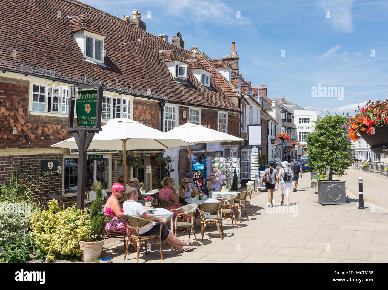 Frau Burton's Restaurant & Tea Room, High Street, Battle, East Sussex, England, Vereinigtes Königreich Stockbild
