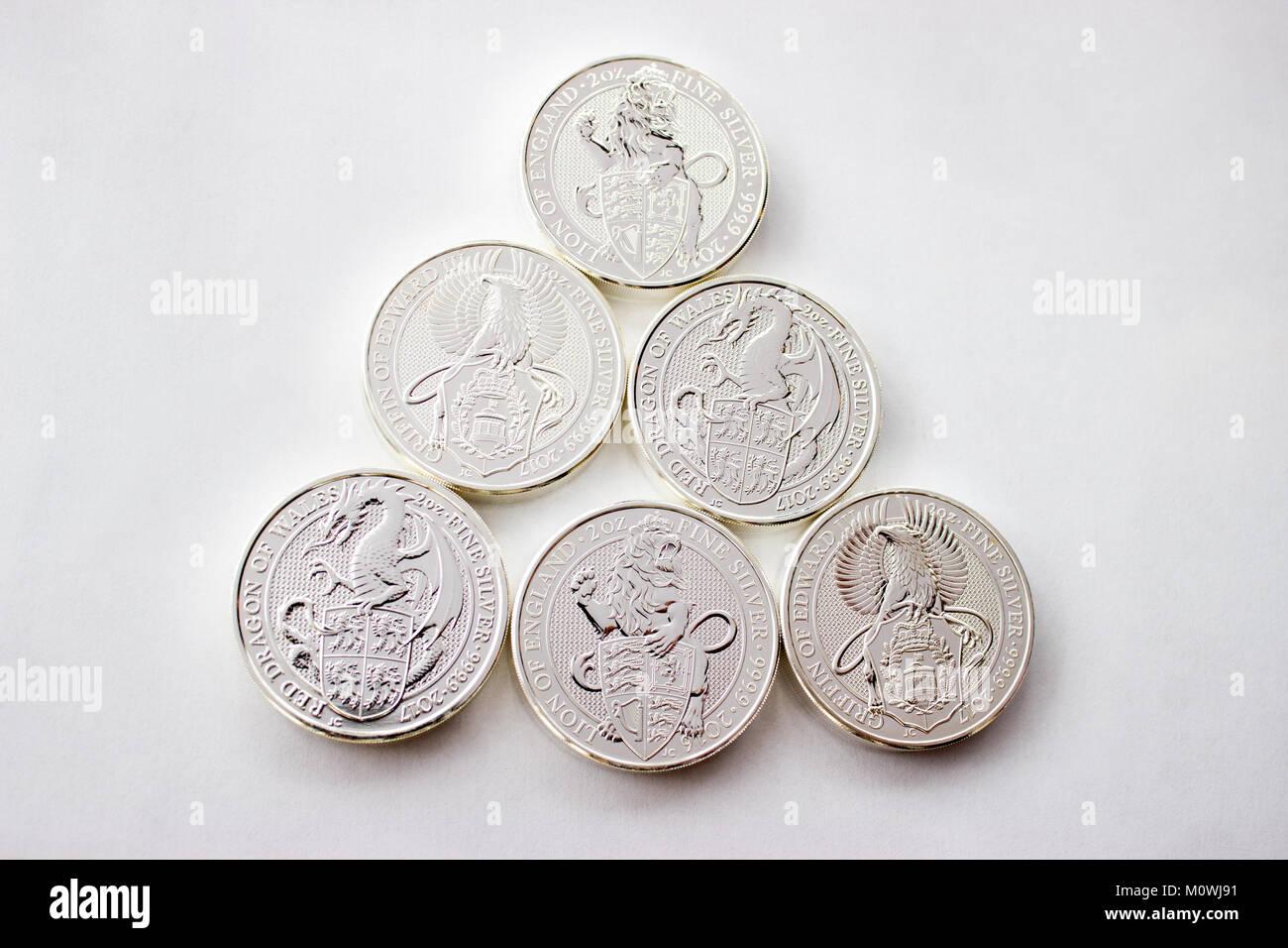 Auf Grauem Hintergrund Sind Silber Münzen Einer Investition Silber