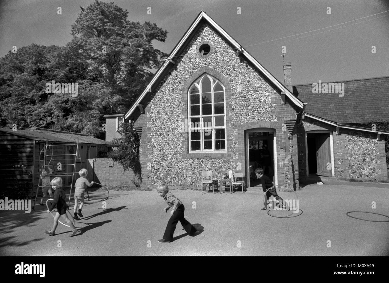 Dorf Grundschule 1970s England. Cheveley Cambridgeshire 1978 70 s UK HOMER SYKES Stockfoto