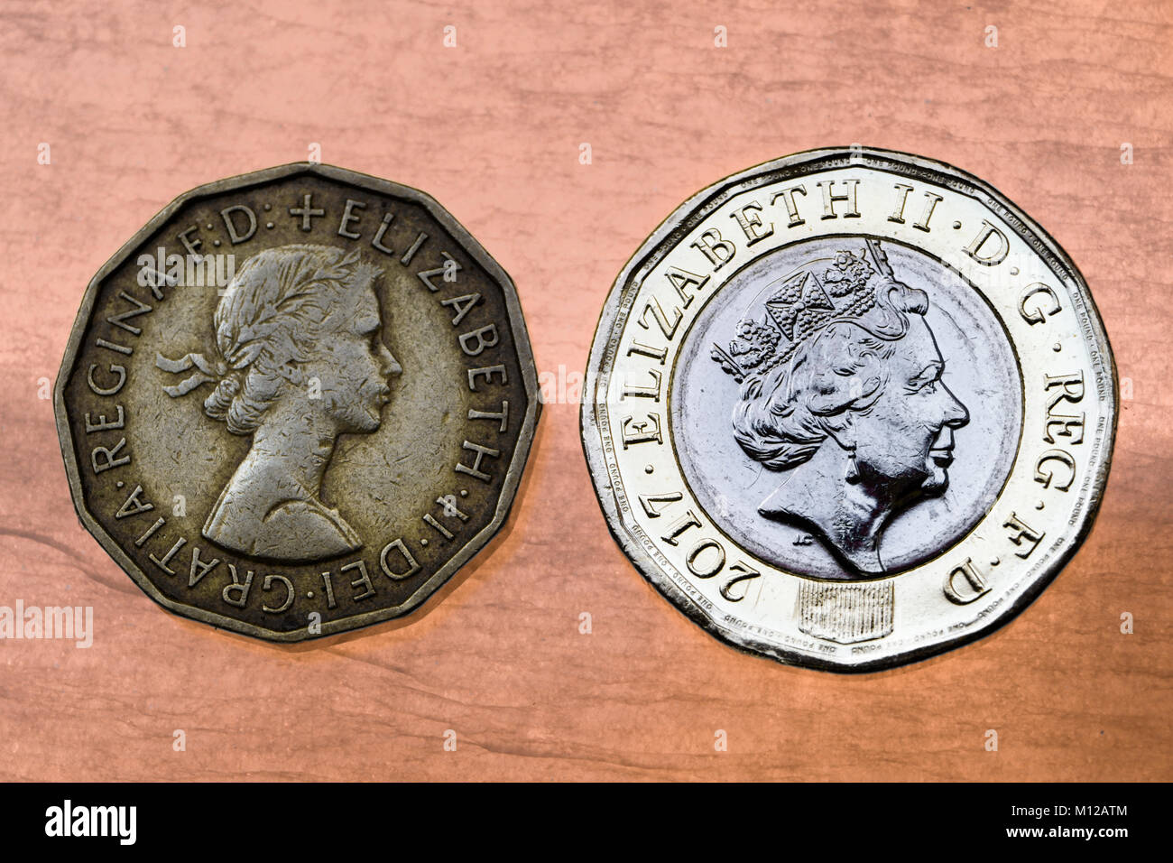 Das Vereinigte Königreich 12 Seitig Neue Pound Münze Und Das