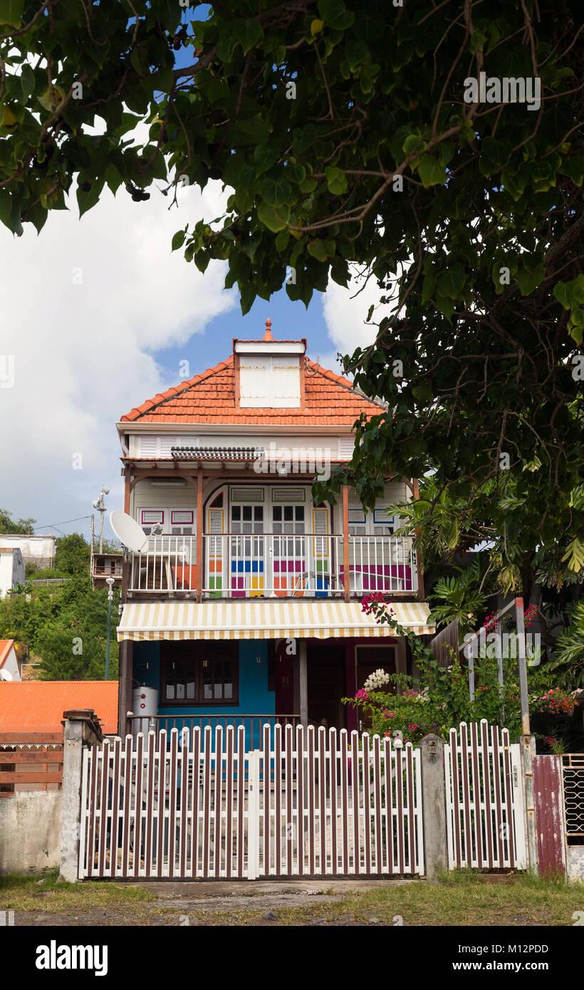 Holz- farbige Haus typisch für Karibische Inseln, Französische Antillen. Stockbild