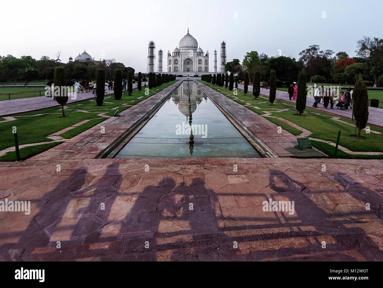 Iconic Ansicht des Taj Mahal, einem der Weltwunder, Agra, Indien Stockbild