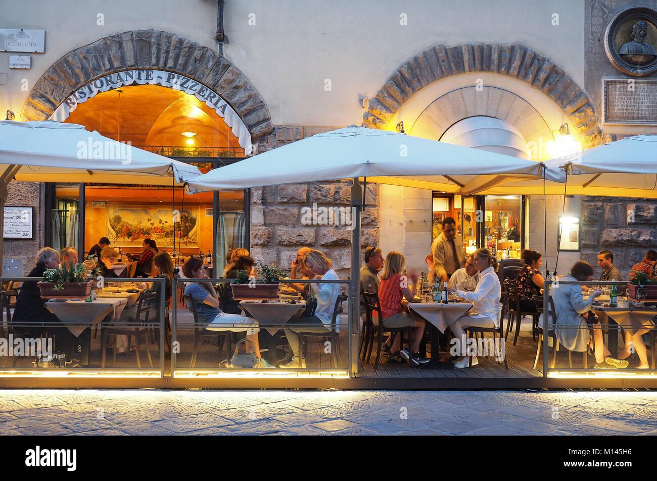 Europa, Italien, Toskana, Florenz, Restaurant, Speisesaal, Bar in der Altstadt Stockbild