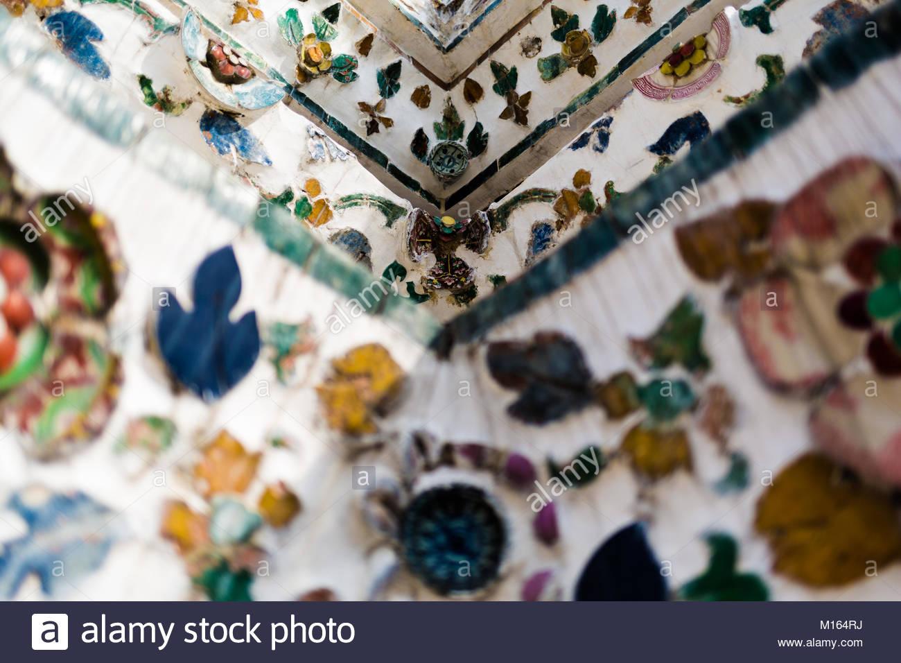 Ornamente der Wat Arun Ratchawararam Ratchawaramahawihan Stockbild