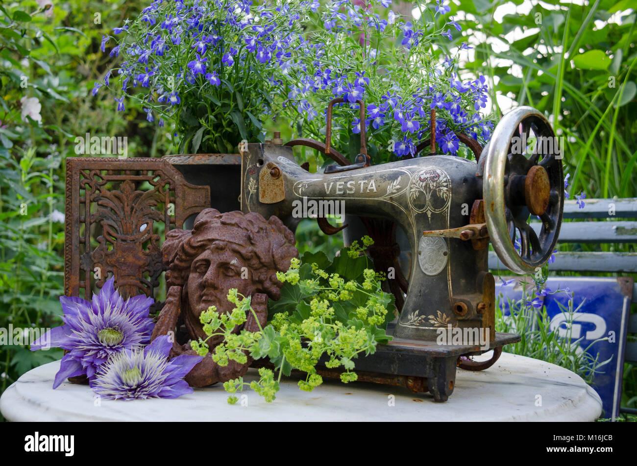 rostig stockfotos rostig bilder alamy. Black Bedroom Furniture Sets. Home Design Ideas
