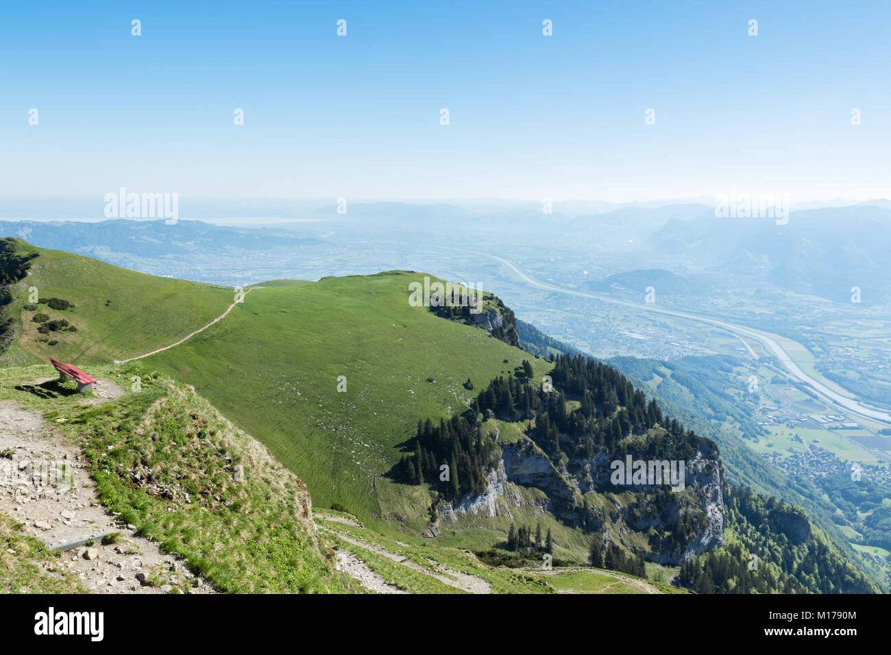 Bergwiese Von Hoher Kasten Mit Roten Bank Vor Tal Rheintal