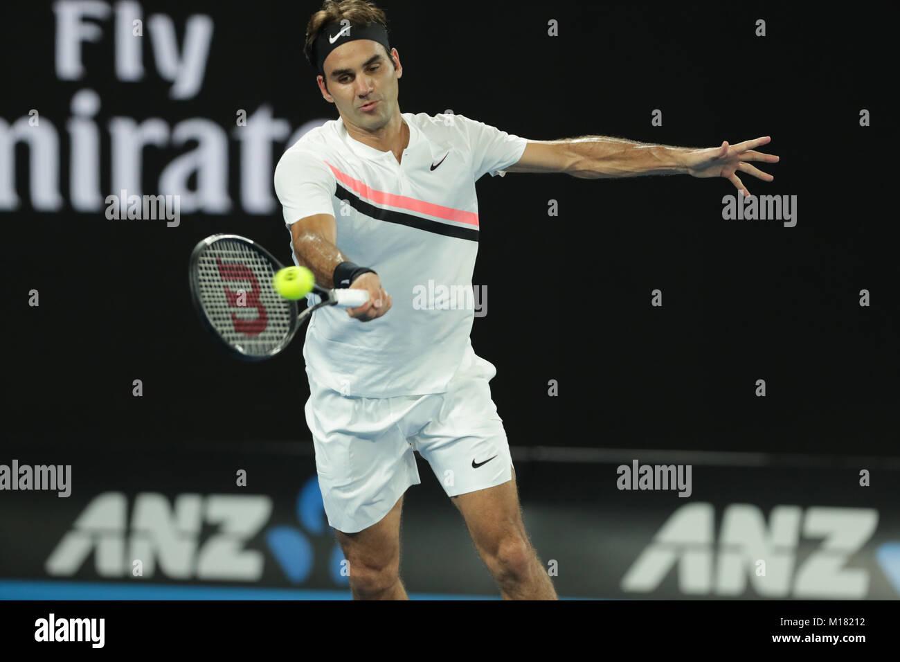 Melbourne, Australien. 28. Januar 2018. Schweizer Tennisspieler Roger Federer ist in Aktion während seiner 1. Runde Stockfoto