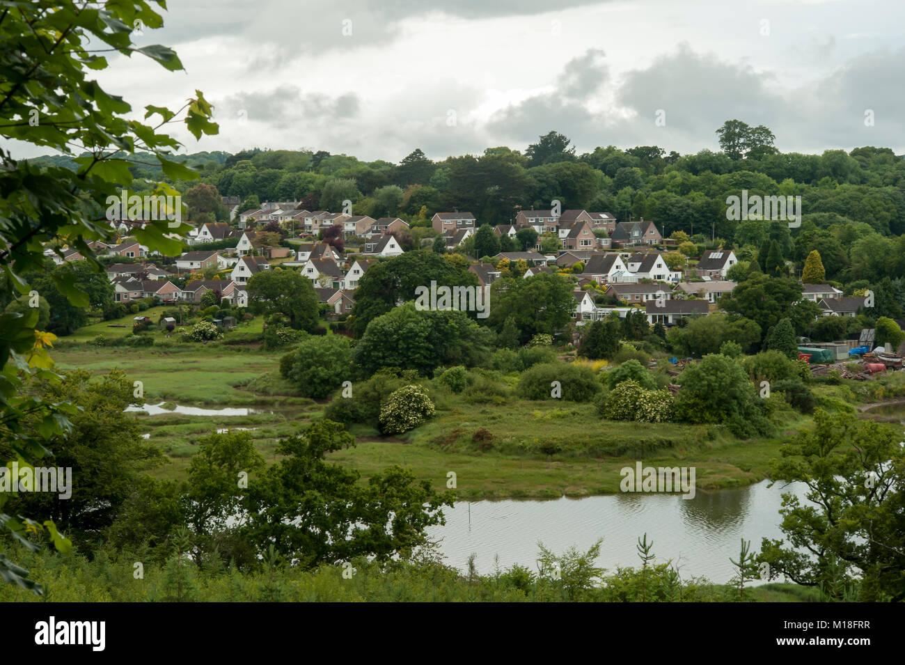 ST DEUTSCHE, CORNWALL: Blick auf die Stadt und den Fluss Tiddy Stockbild