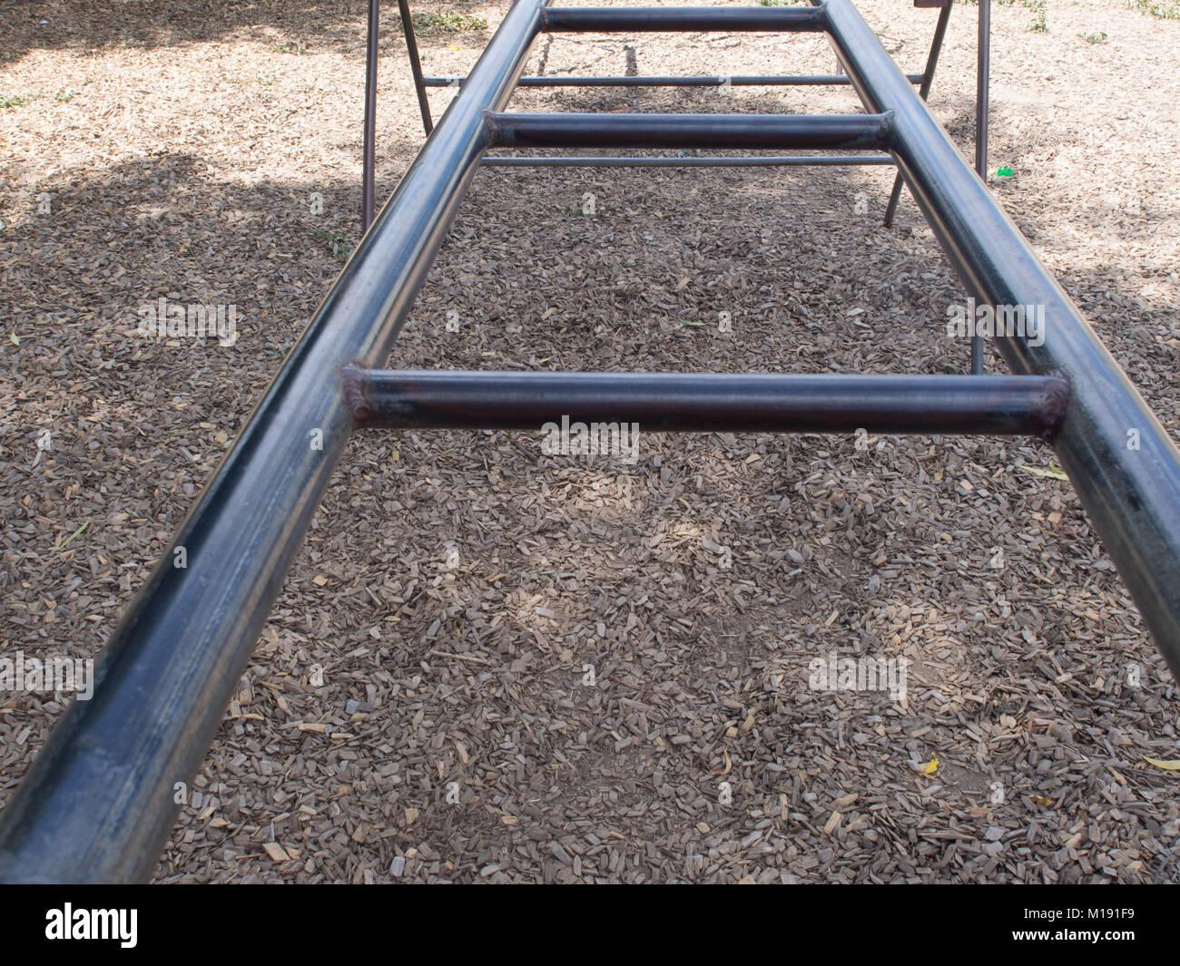 Klettergerüst Outdoor Metall : Spielplatz metall klettergerüst stockfoto bild: 172917117 alamy