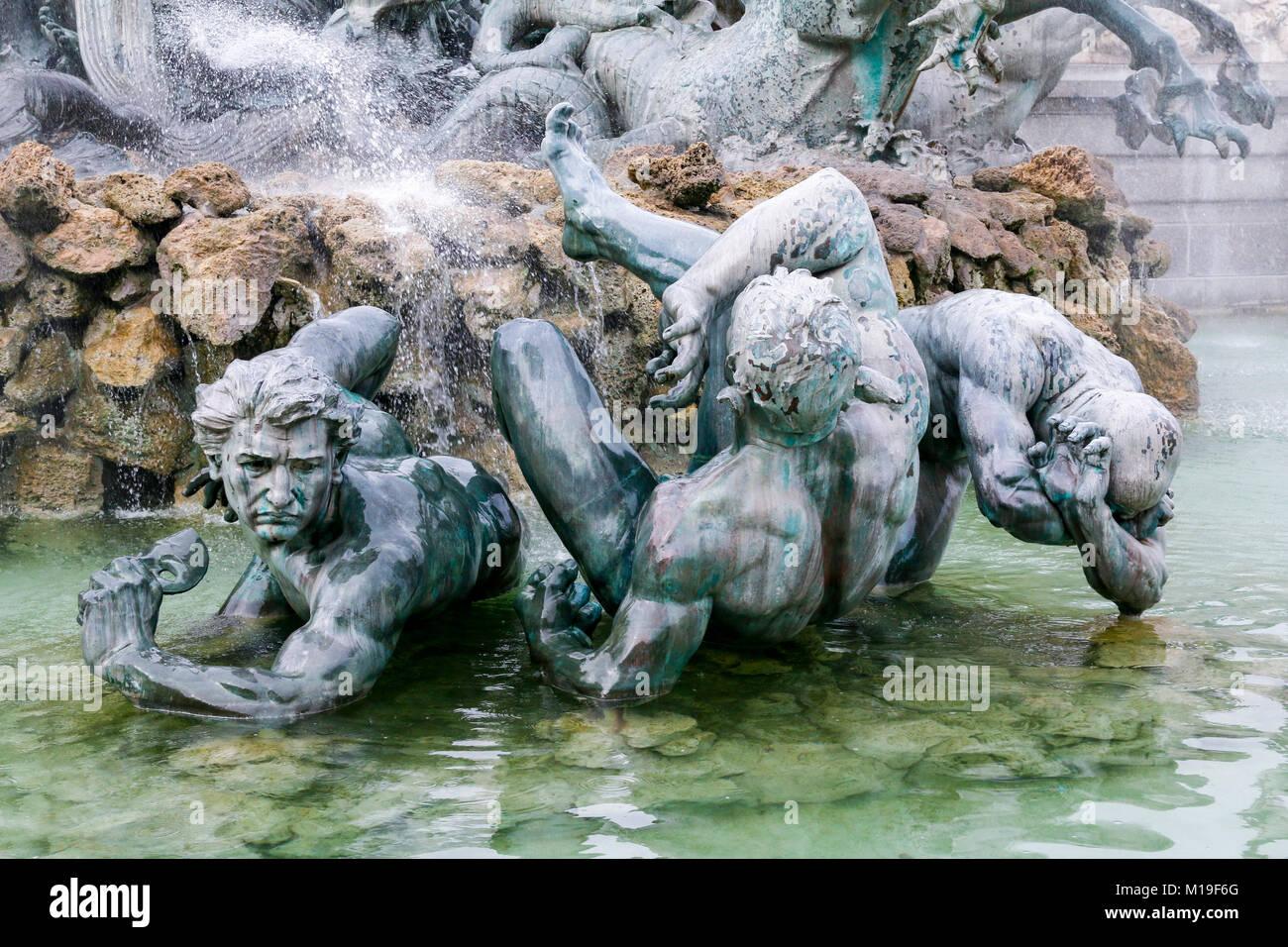 In der Nähe der Statuen auf Monument Aux Girondins, Place des Quinconces, Bordeaux, Gironde, Nouvelle-Aquitaine, Stockbild