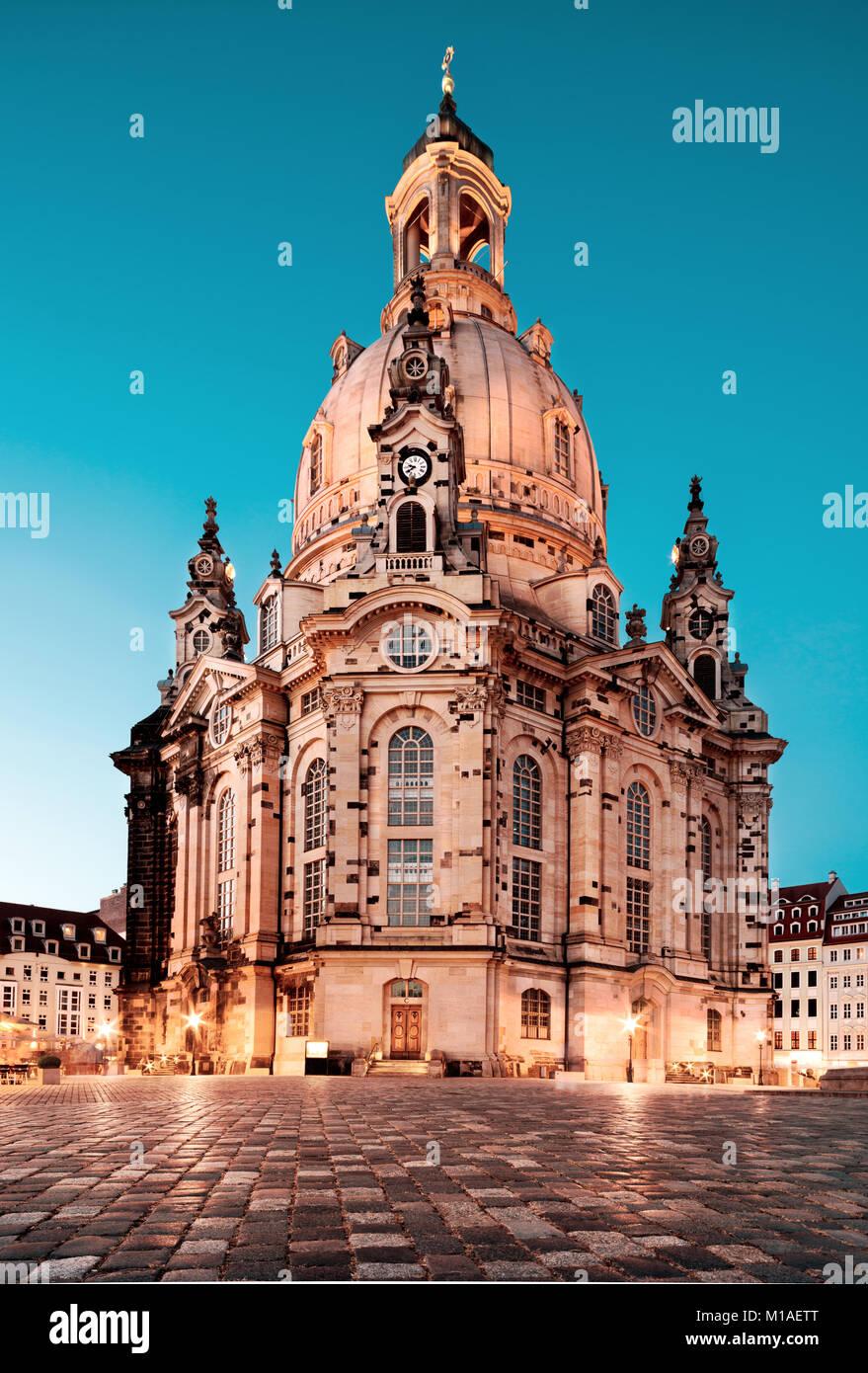 Frauenkirche in der Nacht in Dresden, Deutschland, Gefärbtes Bild Stockbild