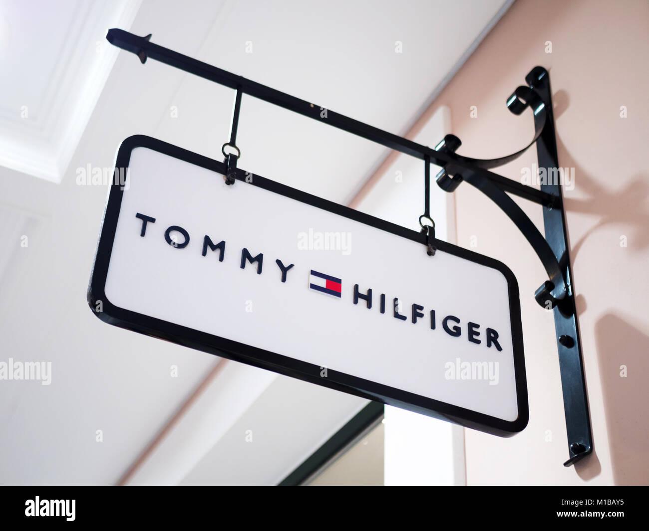 huge selection of d110e c687f Athen, Griechenland - 30. Dezember 2016: Tommy Hilfiger Shop ...
