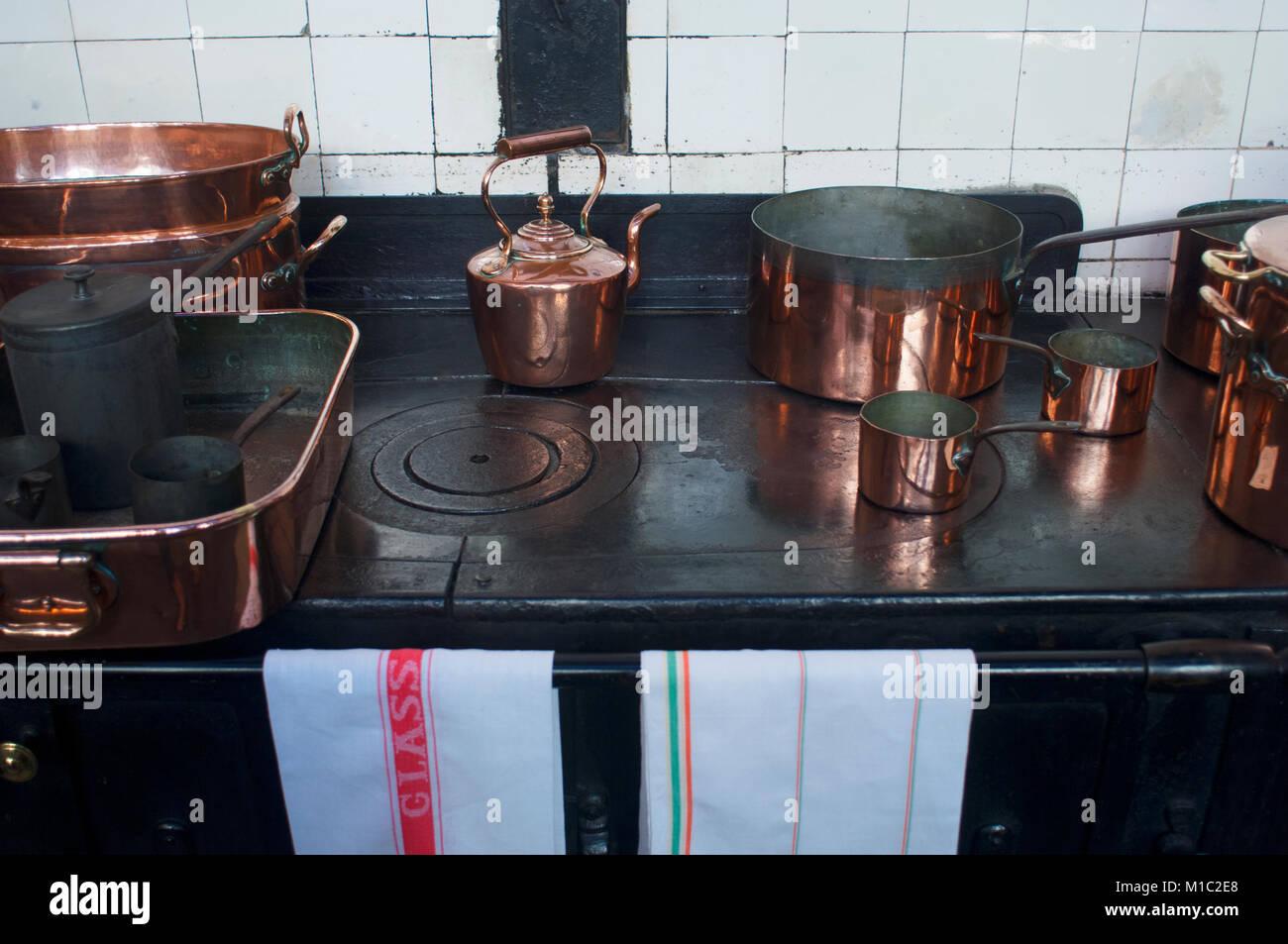 Pots Pans Vintage Stockfotos & Pots Pans Vintage Bilder - Alamy