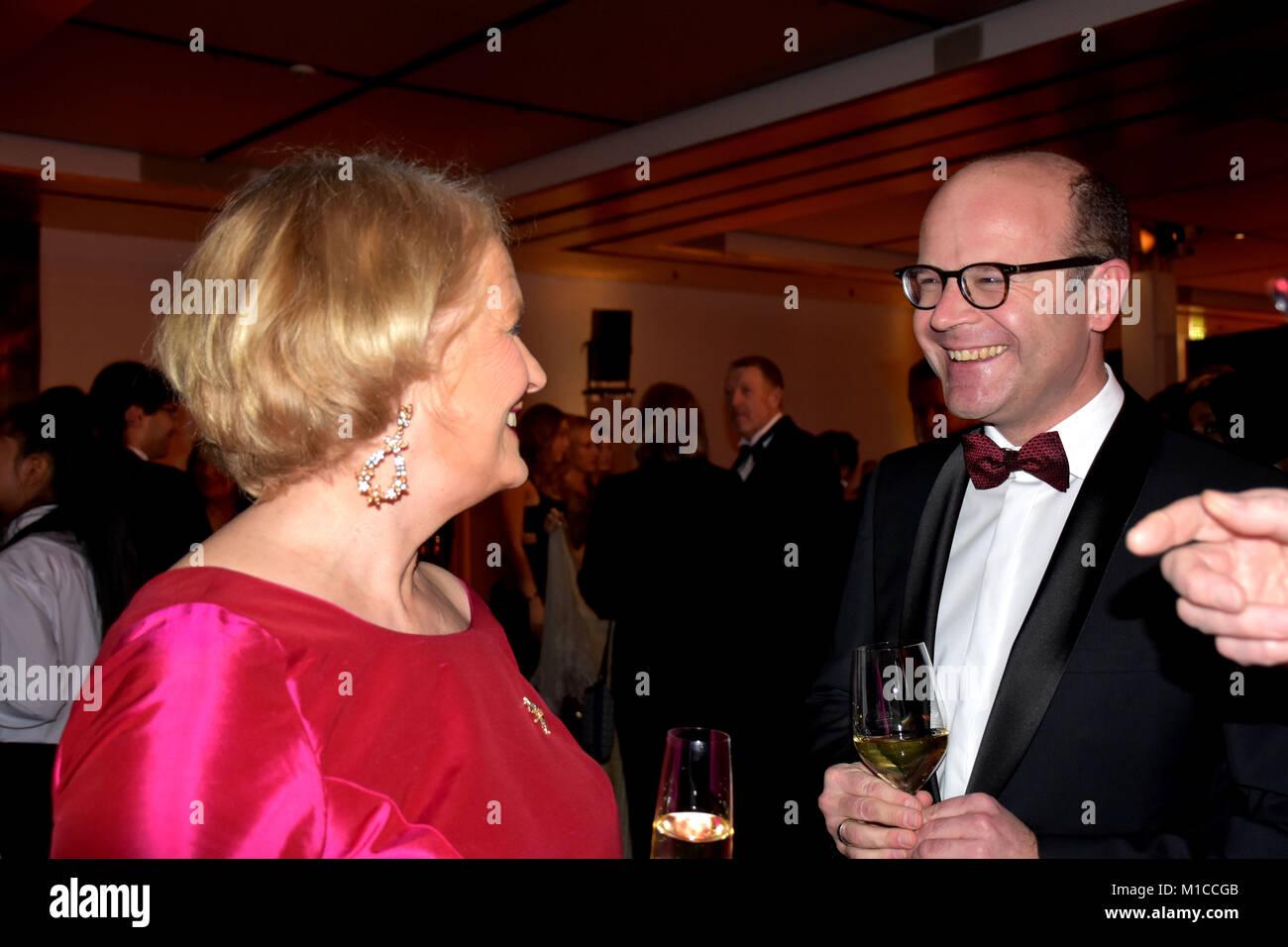 [1] Elisabeth Charlotte Motschmann (* 13. Oktober 1952 als Elisabeth Charlotte Baronesse von Düsterlohe in Stockbild