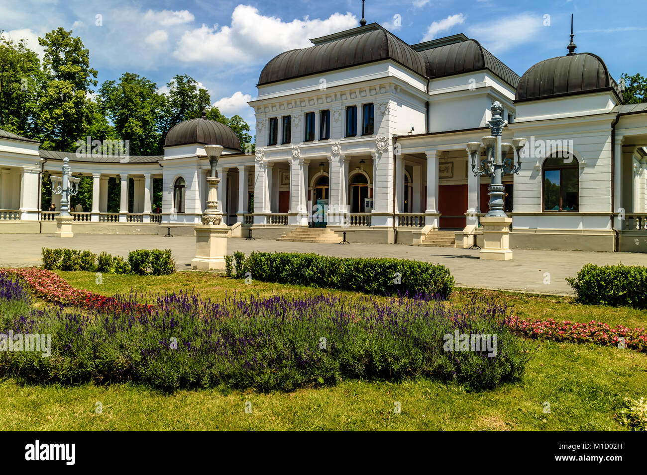 Gebäude casino in Simion Barnutiu Central Park, Cluj-Napoca, Rumänien. Juni 2017. Stockfoto