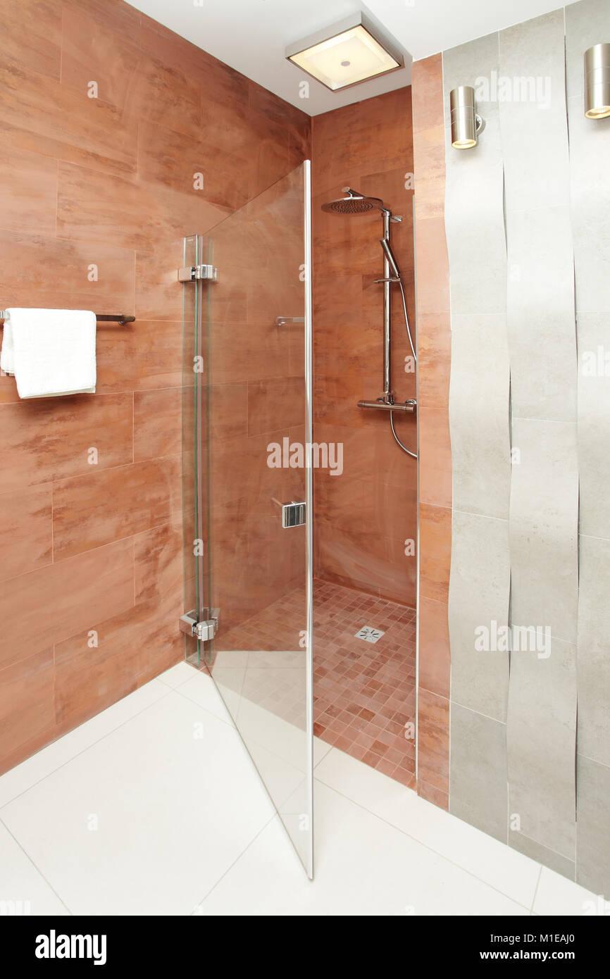 Badezimmer Dusche - moderne Innenarchitektur Stockfoto, Bild ...
