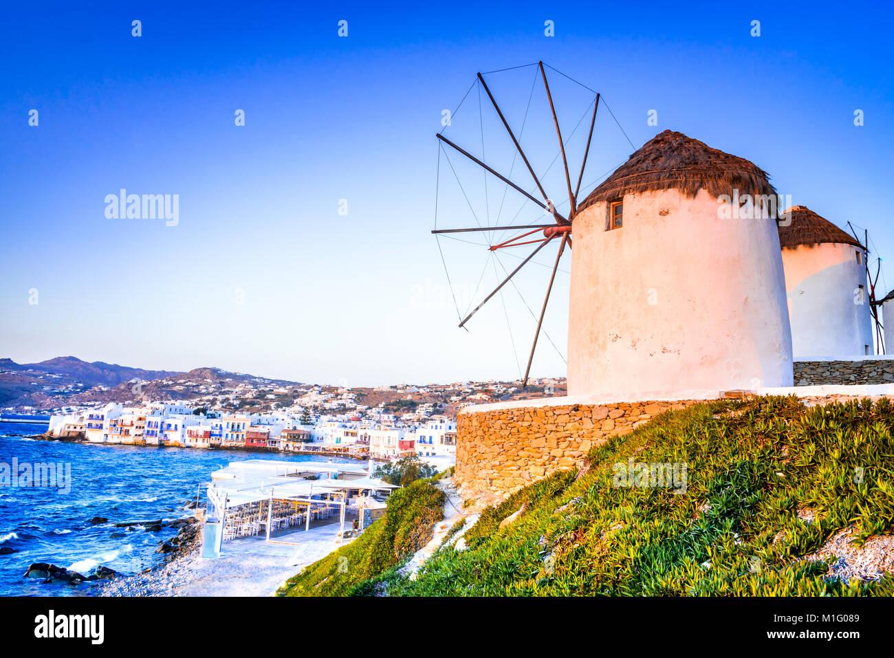 Mykonos, Griechenland. Windmühlen Kato Mili sind ikonisch Merkmal des Griechischen Insel Mikonos, Kykladen Stockbild