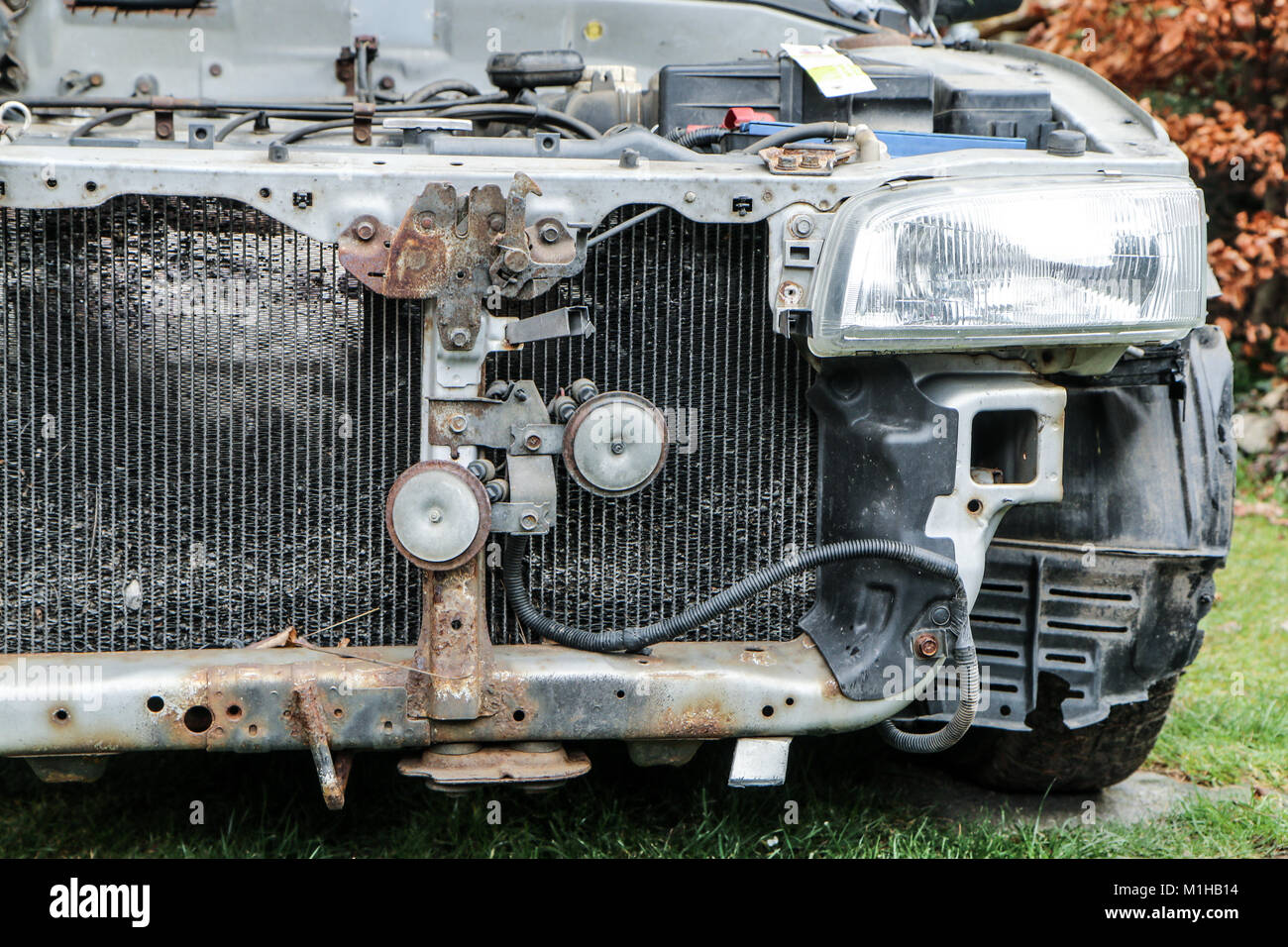 Car Without Engine Stockfotos & Car Without Engine Bilder - Alamy