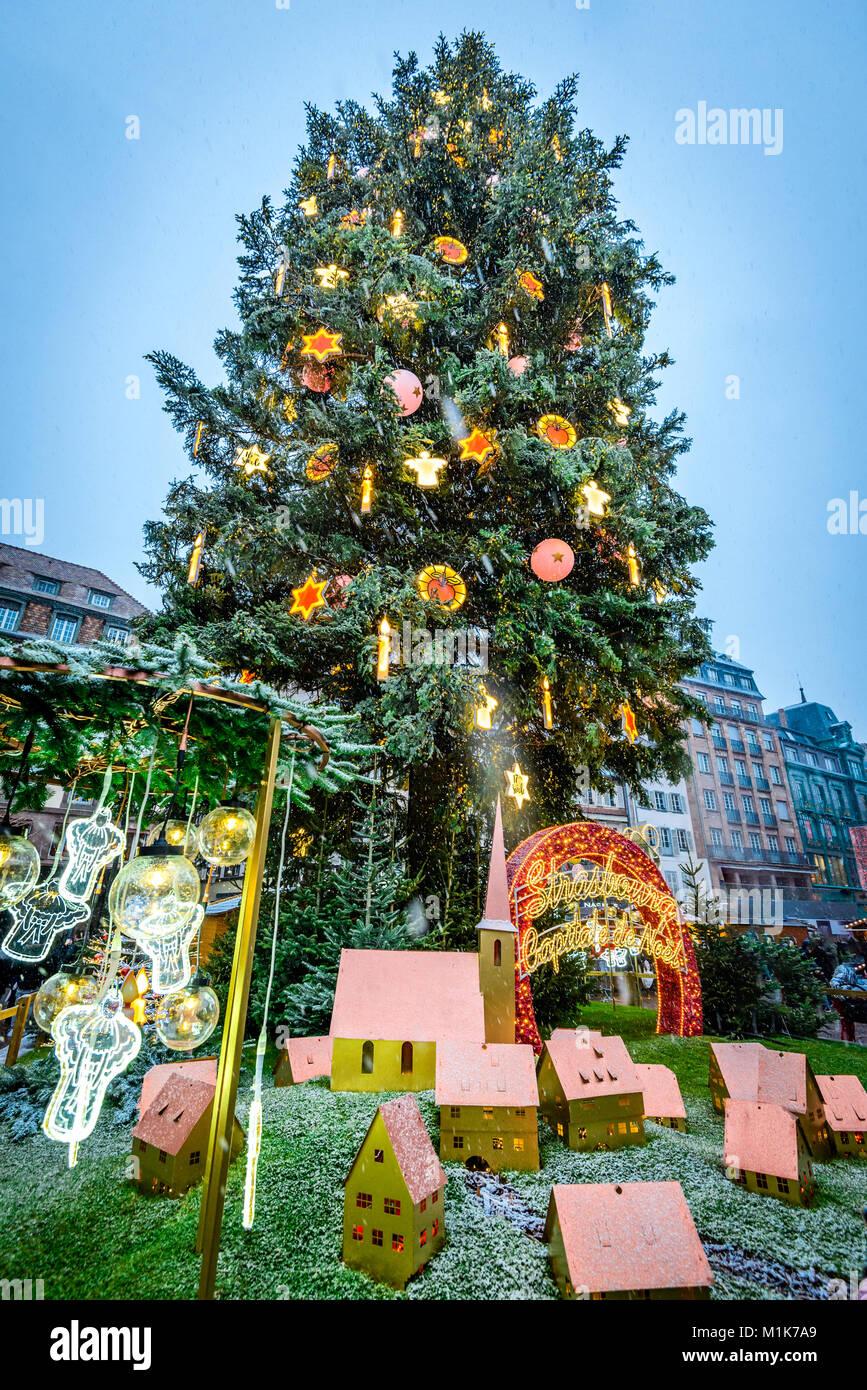 Straßburg, Frankreich, 3. DEZEMBER 2017: Straßburg, Frankreich. Ort ...