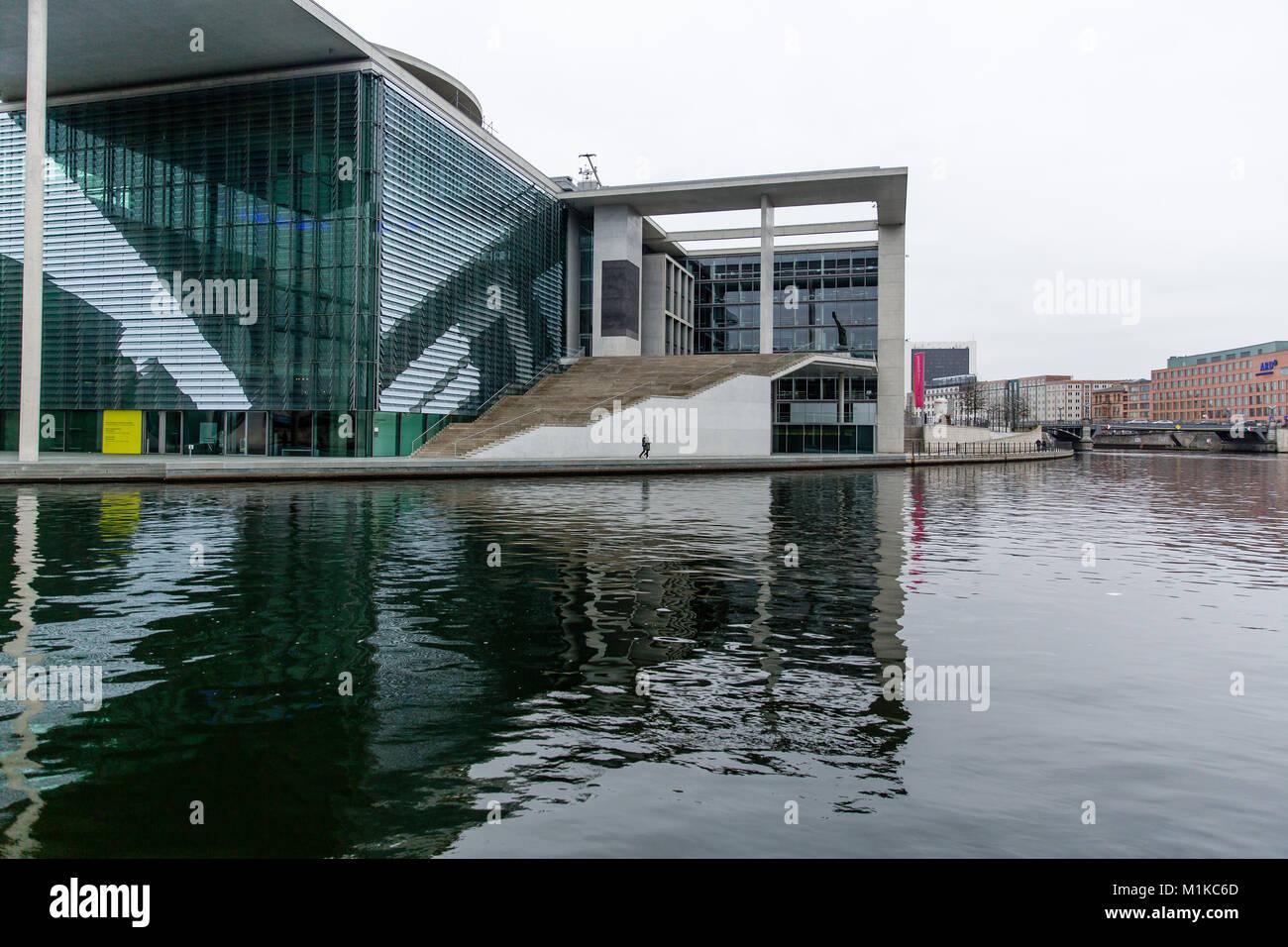 Berlin moderne Architektur der Deutschen Bundesregierung und Kanzleramt als Symbol für die deutsche Einheit Stockbild
