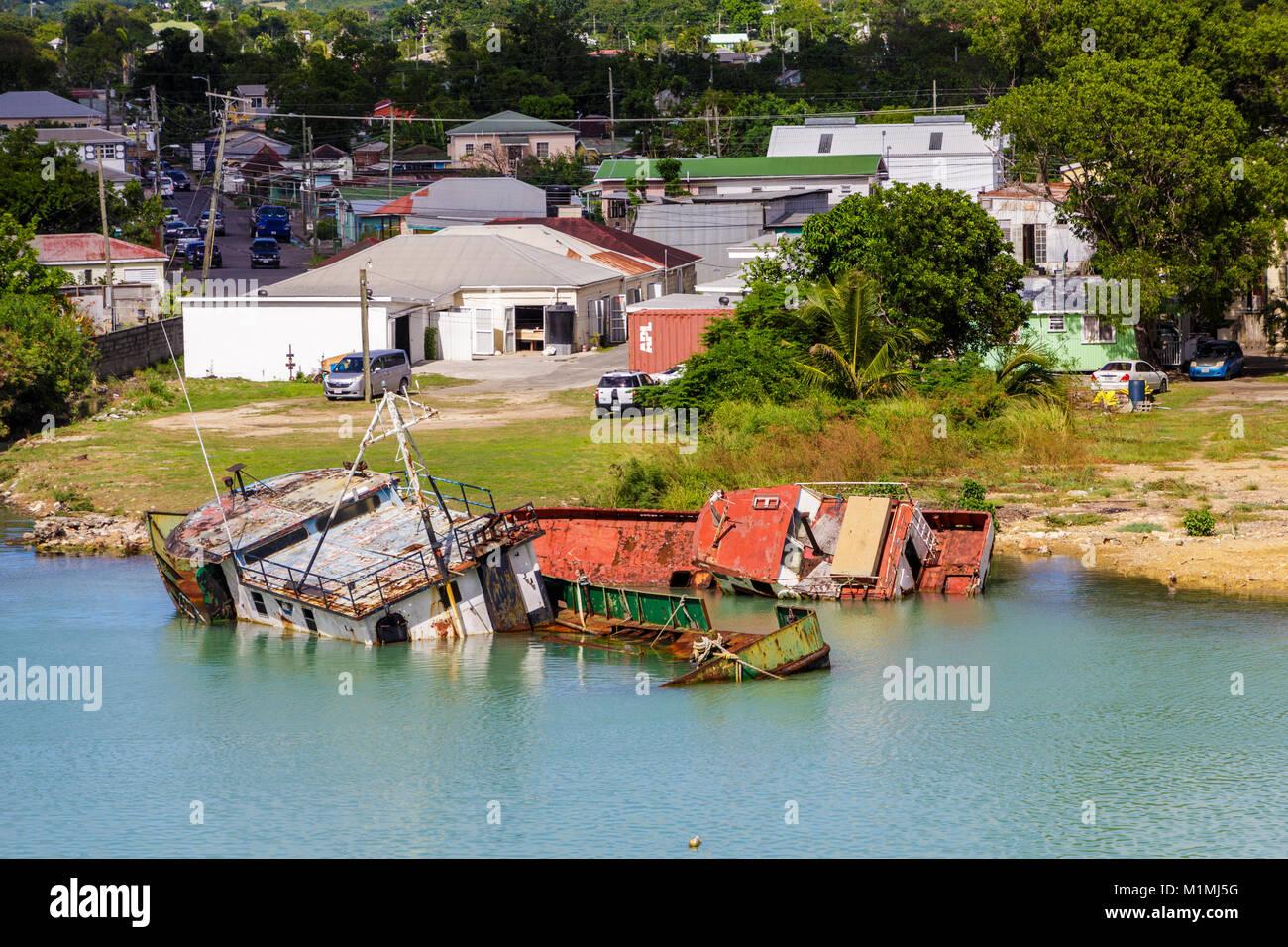Zwei Wreched Boote vom Hurrikan Irma Stockbild