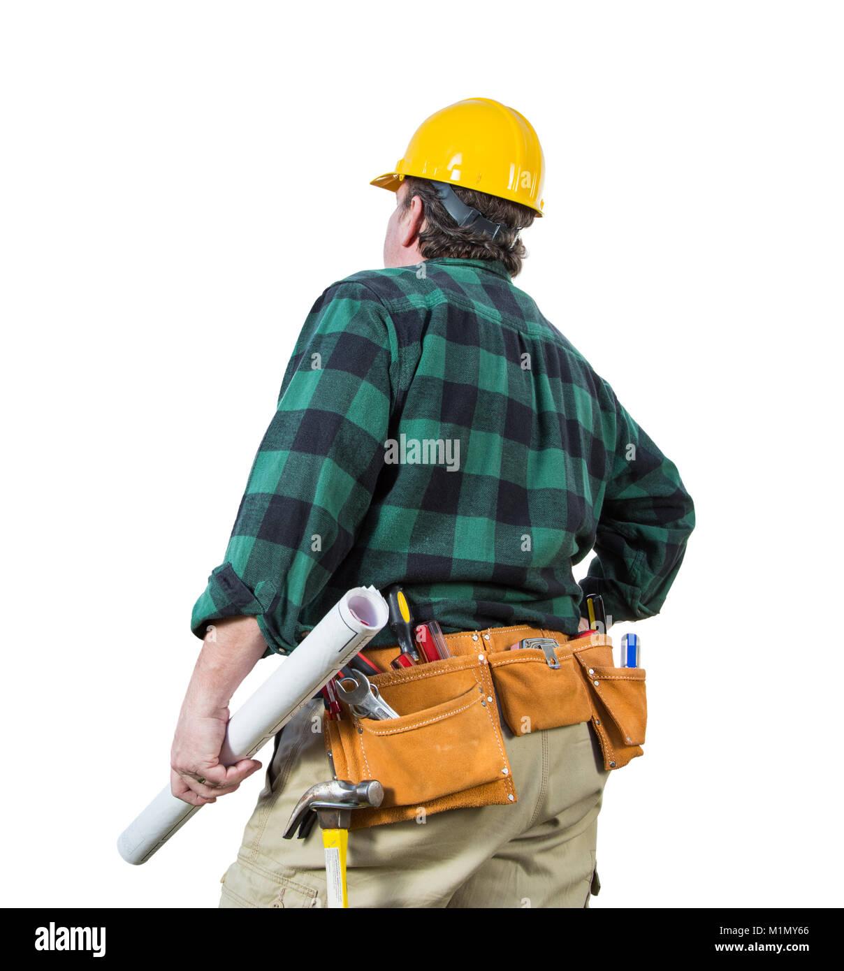 Männliche Auftragnehmer mit Schutzhelm und Werkzeug Gürtel Suchen isoliert einen weißen Hintergrund. Stockbild