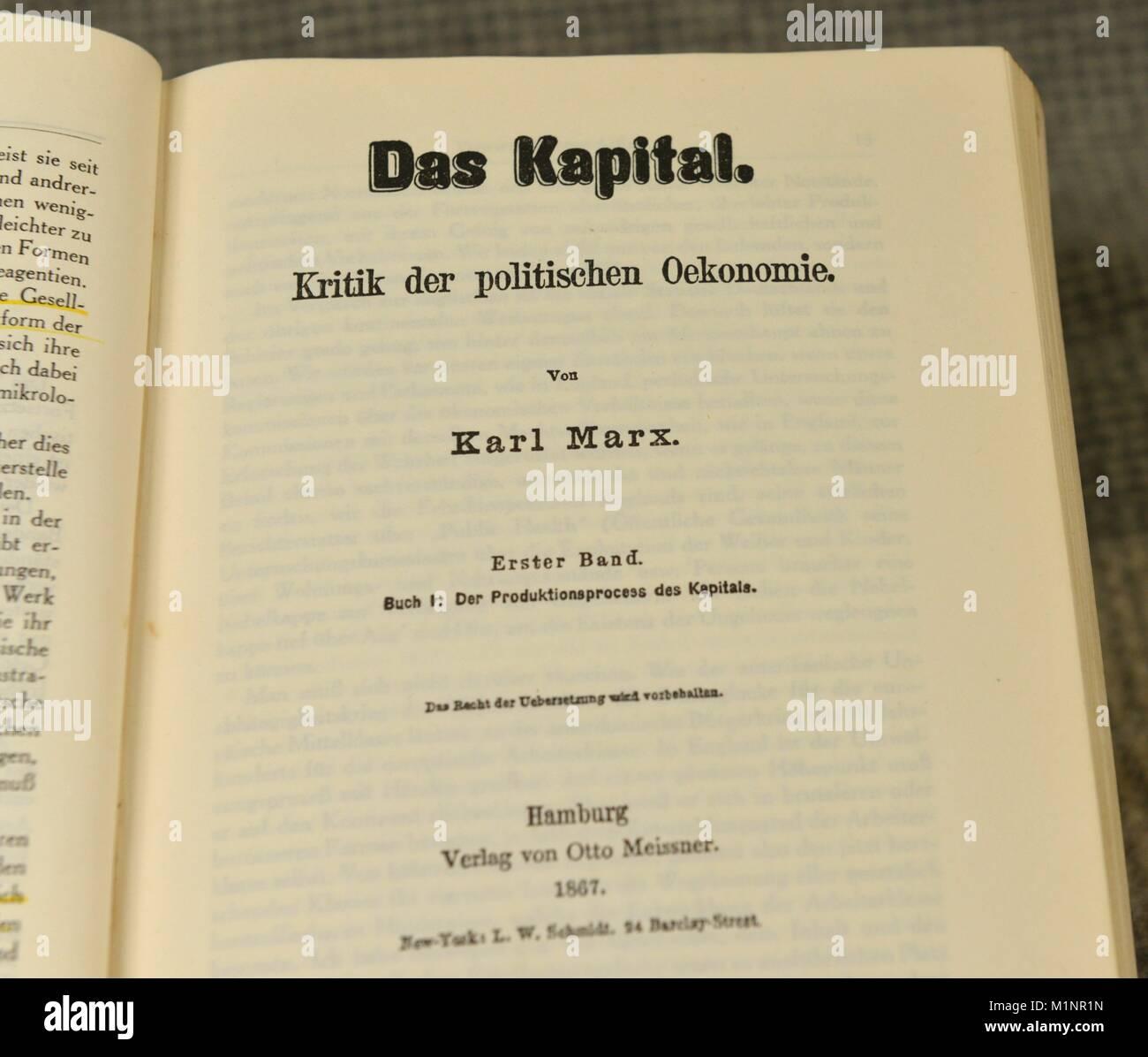 Karl Marx Das Kapital Verwendung Weltweit Stockfoto Bild